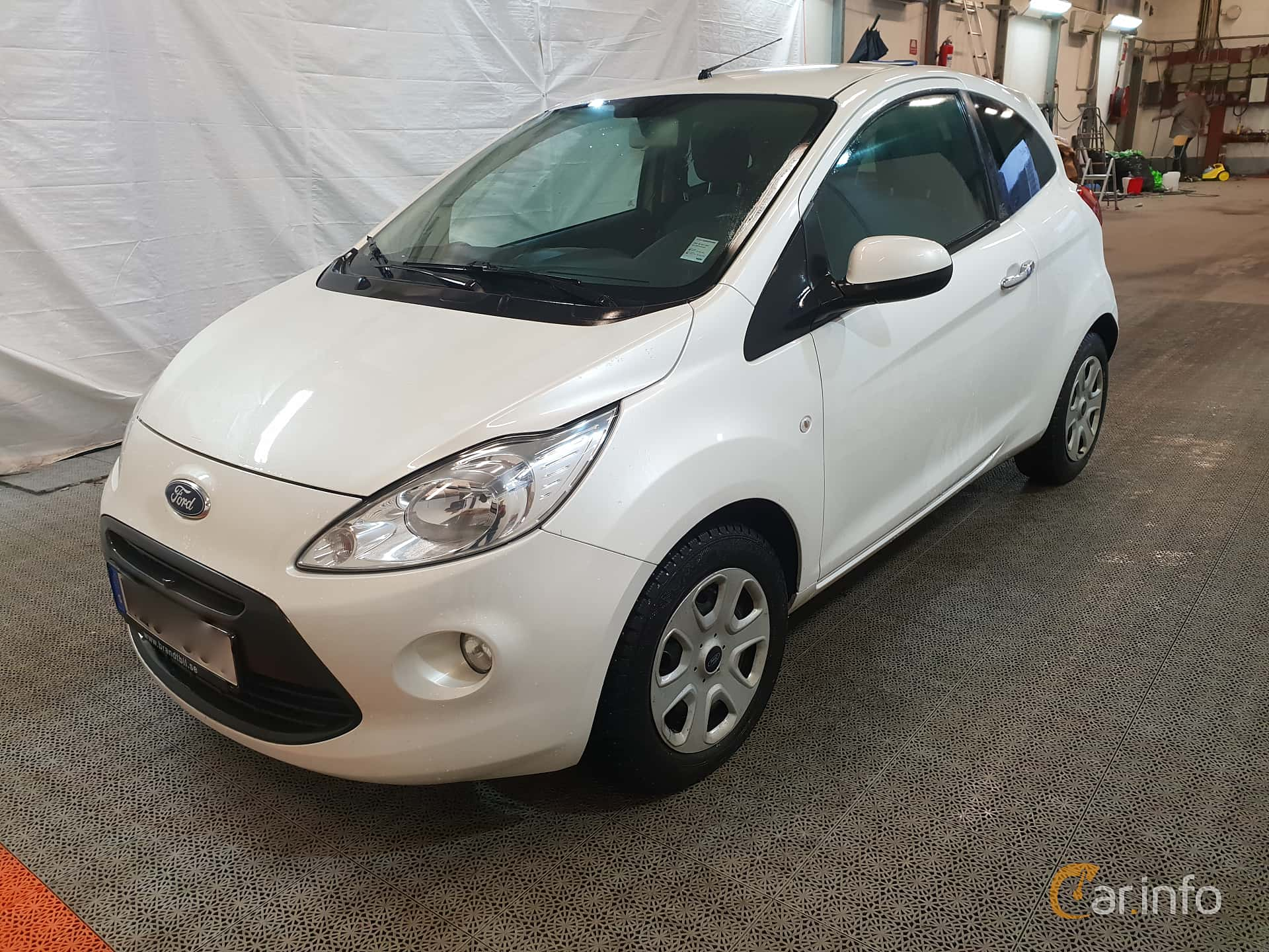 Front/Side  of Ford Ka 1.2 Manual, 69ps, 2011