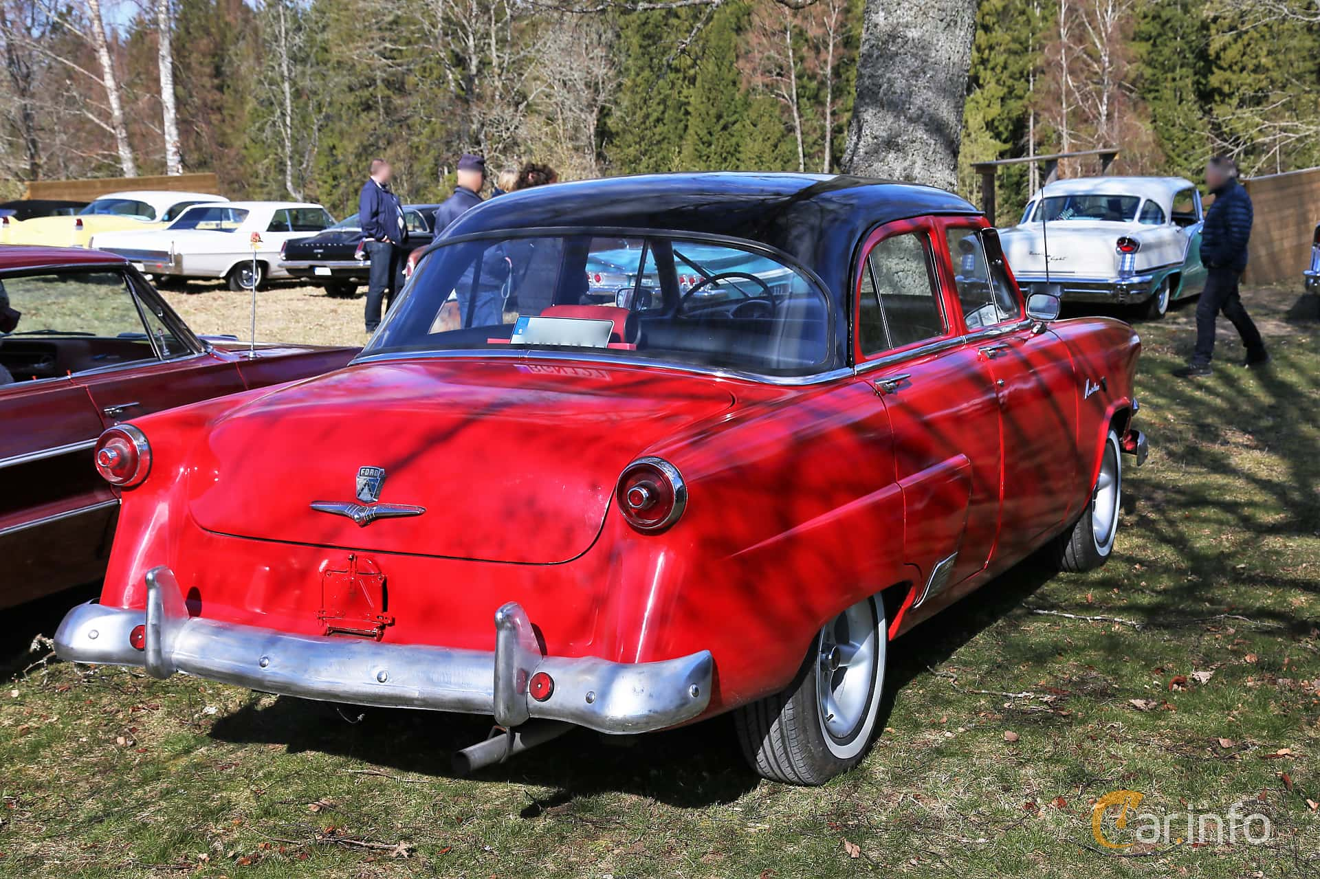 Back/Side of Ford Mainline Fordor Sedan 3.9 V8 Manual, 112ps, 1953 at Uddevalla Veteranbilsmarknad Backamo, Ljungsk 2019