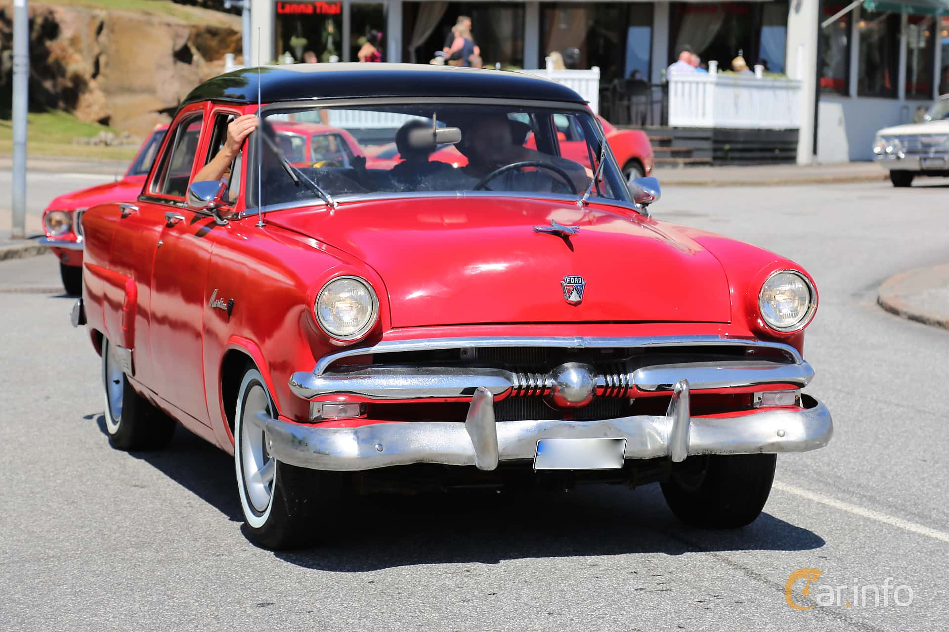 Ford Mainline Fordor Sedan 3.9 V8 Manual, 112hp, 1953 at Cruising Lysekil 2018