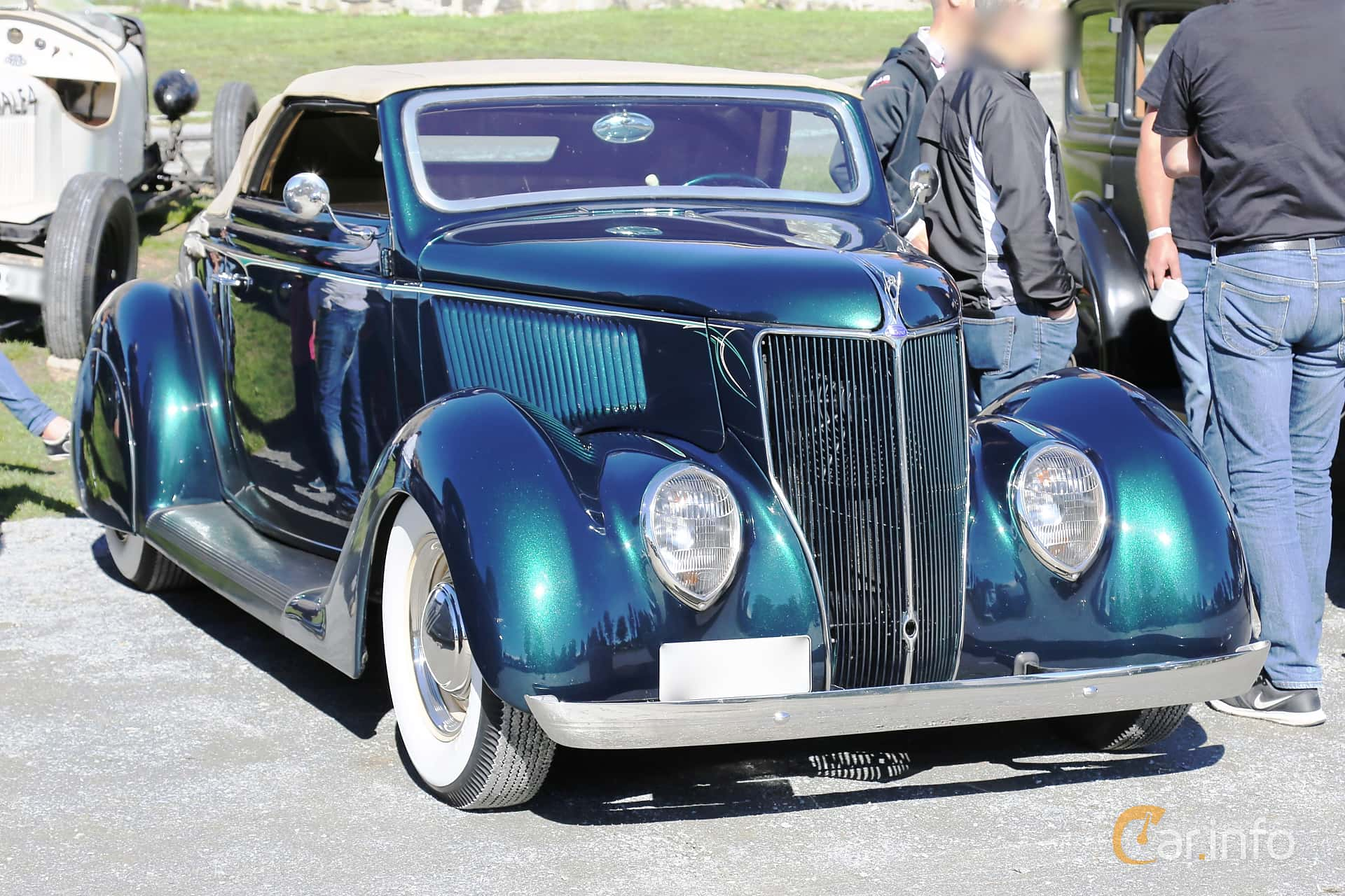 Ford Model 68 Cabriolet 3.6 V8 Manuell, 86hk, 1936 at Grensetreff Halden 2016