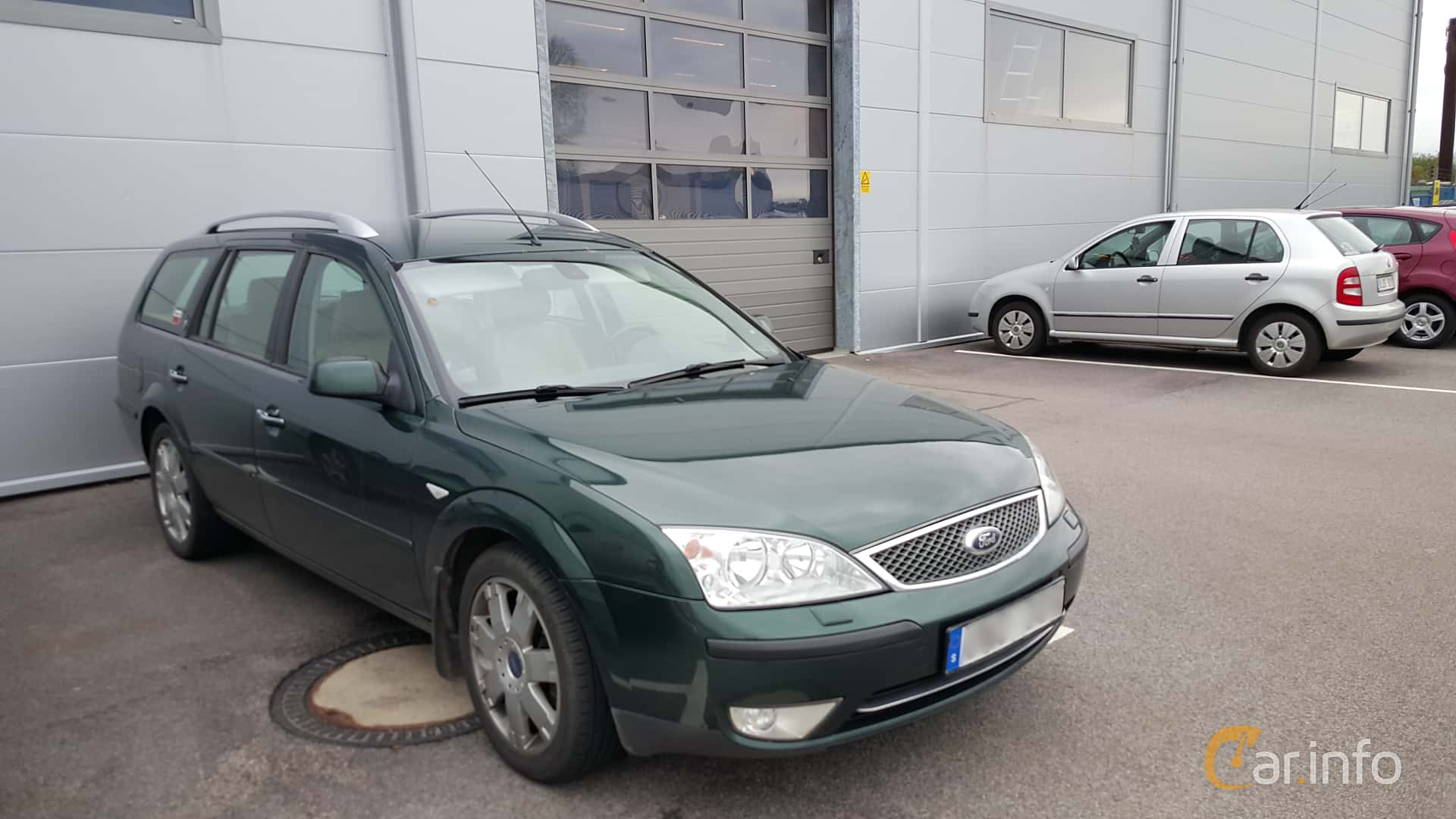 Front/Side of Ford Mondeo Turnier 2.0 Manual, 145ps, 2004