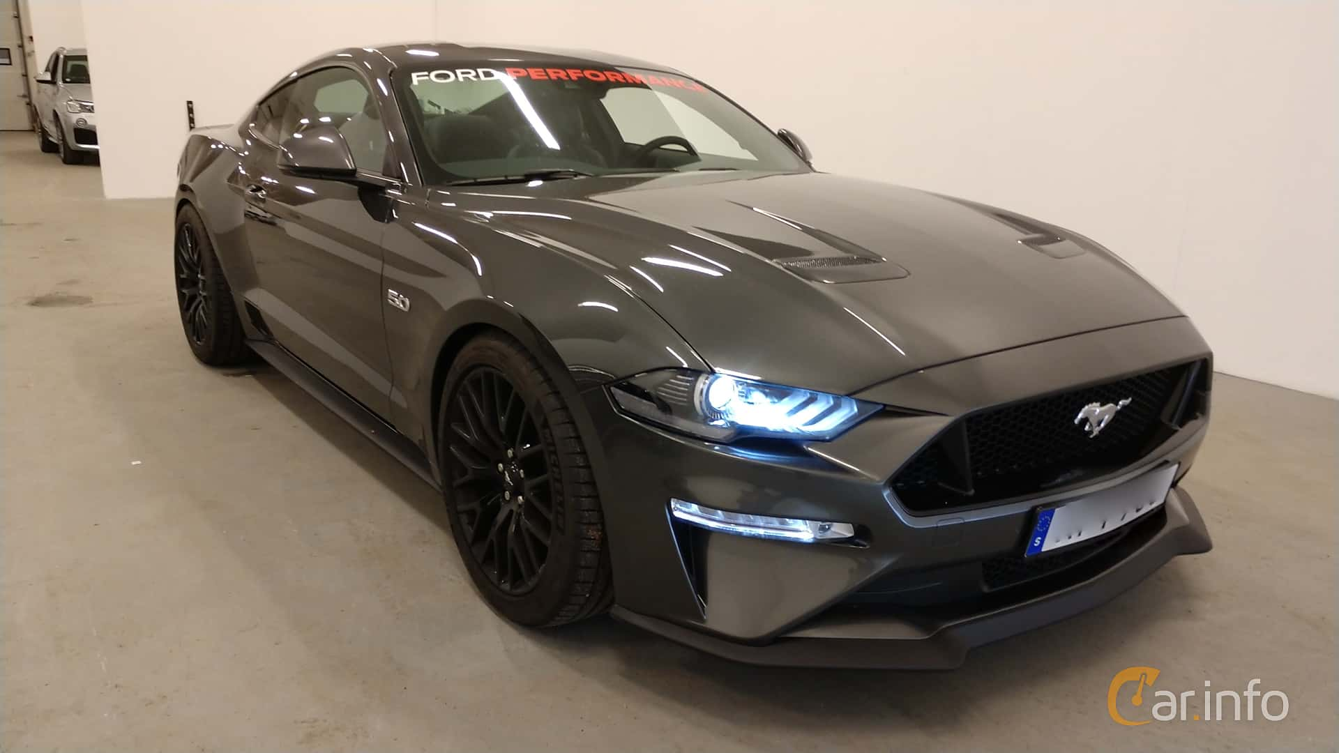 Front/Side  of Ford Mustang GT 5.0 V8 Manual, 450ps, 2018