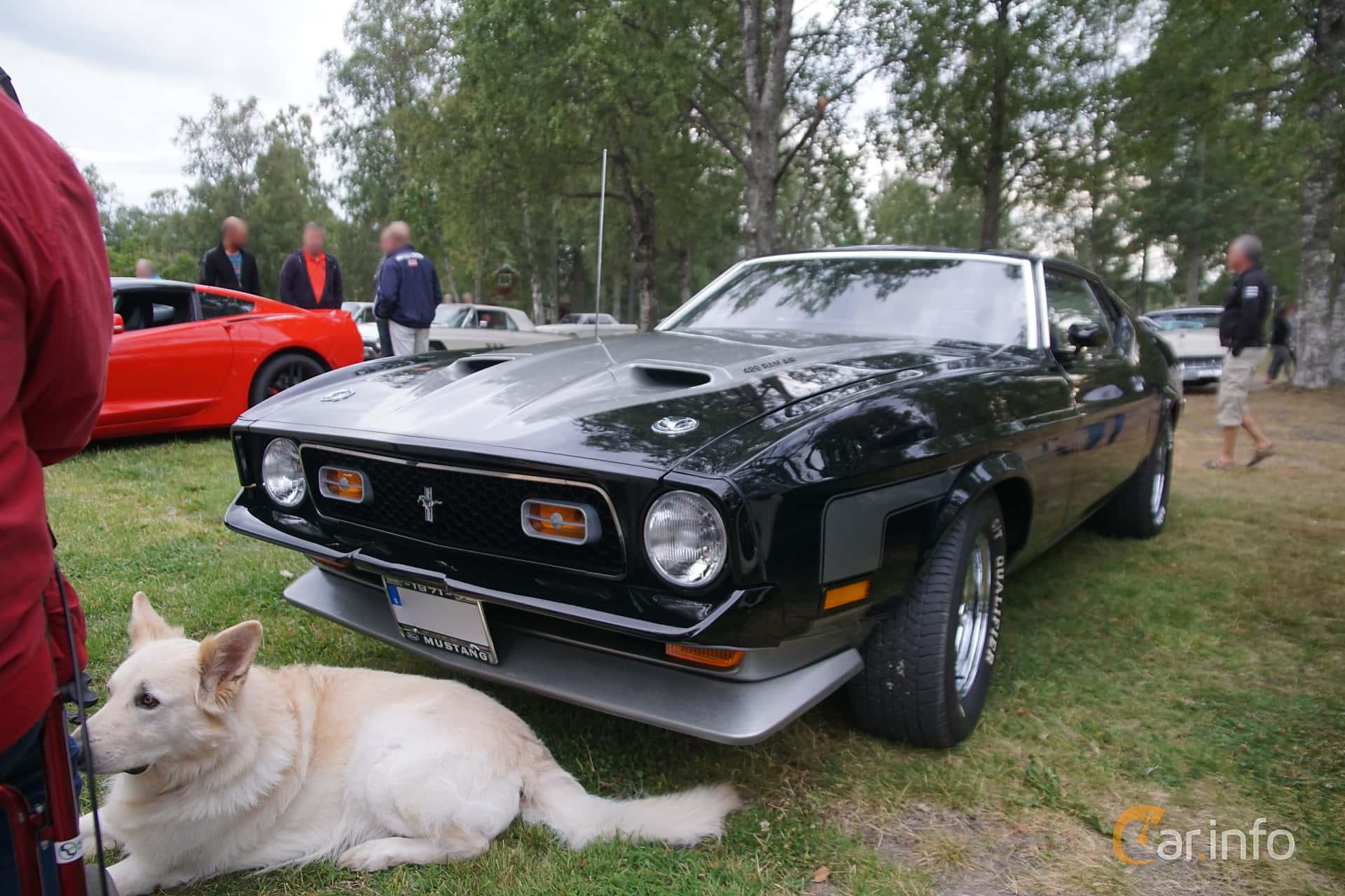 Front/Side  of Ford Mustang Mach I 7.0 V8 Manual, 375ps, 1971 at Onsdagsträffar på Gammlia Umeå 2019 vecka 32