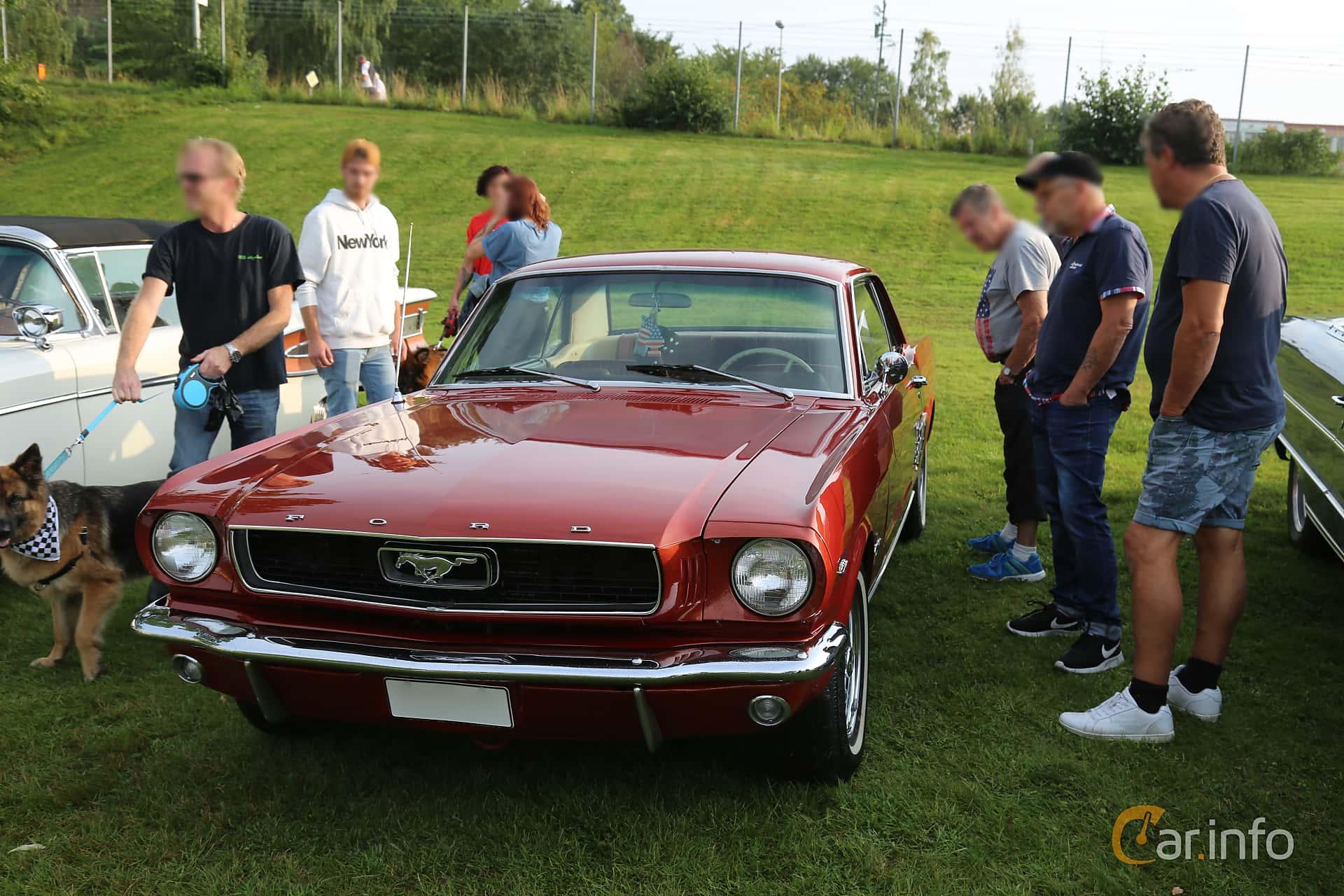 Front/Side  of Ford Mustang GT Hardtop 4.7 V8 Automatic, 228ps, 1966 at Bil & MC-träffar i Huskvarna Folkets Park 2019 Amerikanska fordon