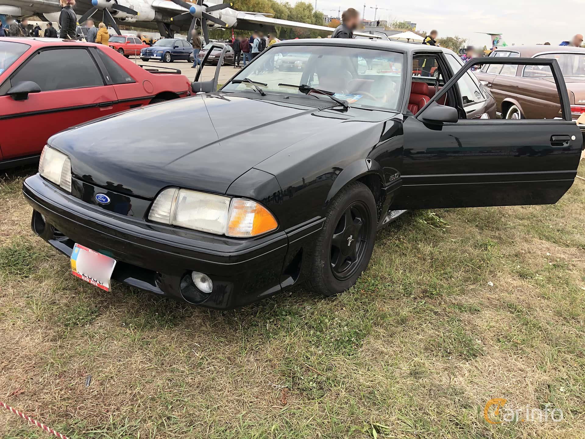 Ford Mustang GT Hatchback 5.0 V8 208hk, 1993 at Old Car Land no.2 2019
