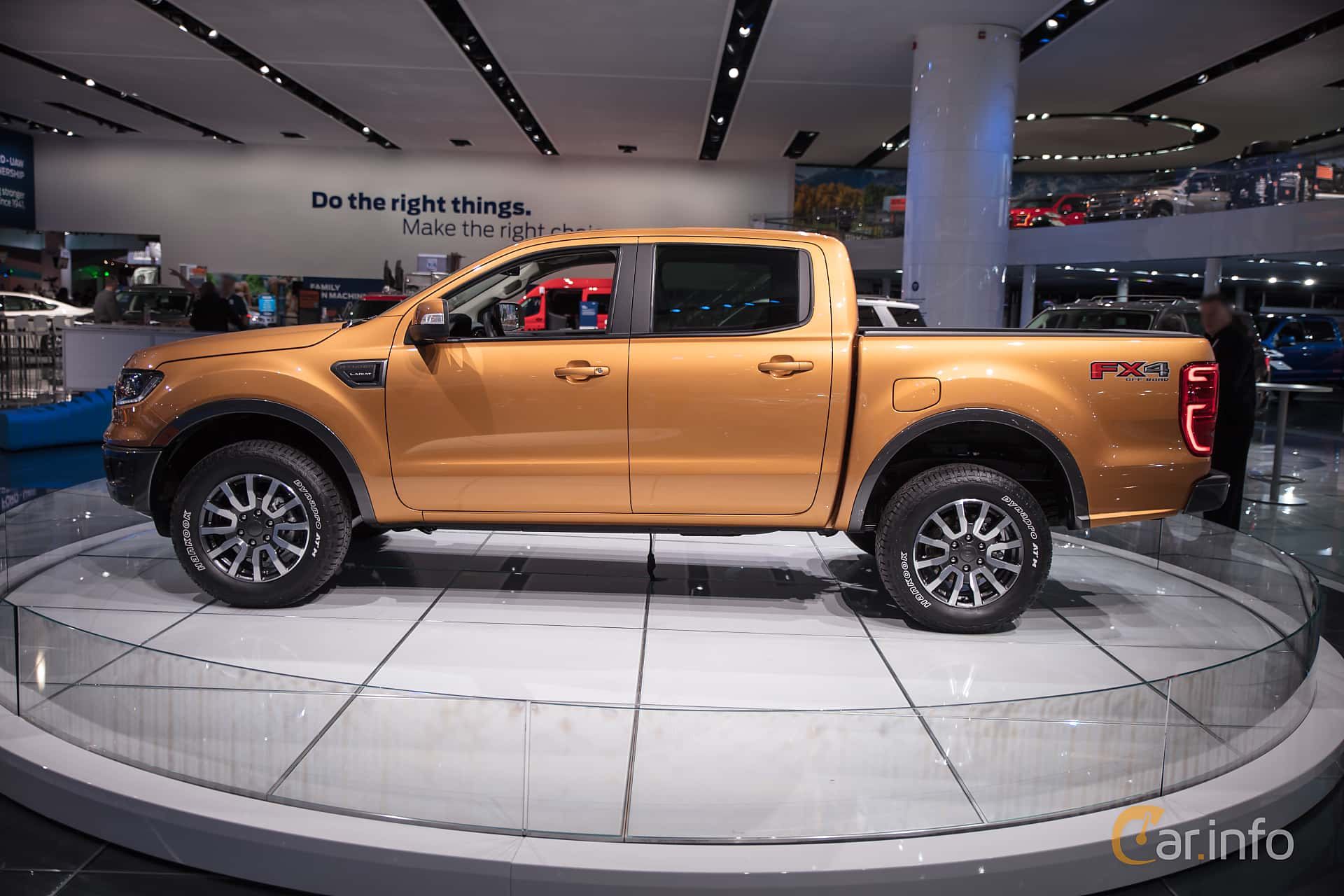 Side  of Ford Ranger SuperCrew 2.3 EcoBoost 4x4 Automatic, 274ps, 2019 at North American International Auto Show 2018