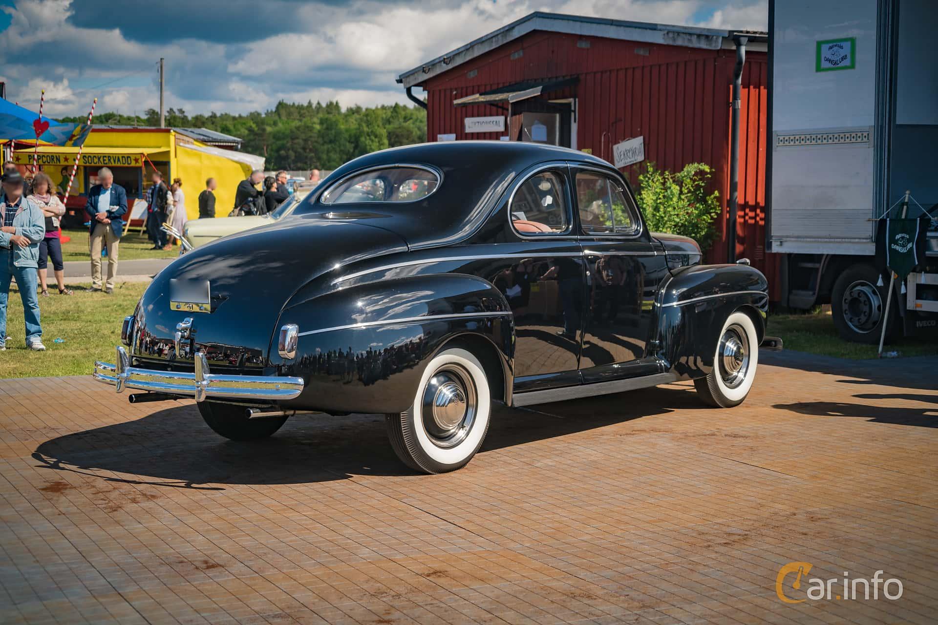 Ford Super Deluxe Coupé 3.6 V8 Manual, 91hp, 1941 at Nostalgifestivalen i Vårgårda 2016