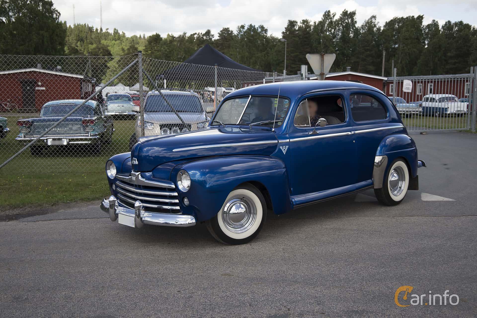 Ford Super Deluxe Tudor Sedan 1941