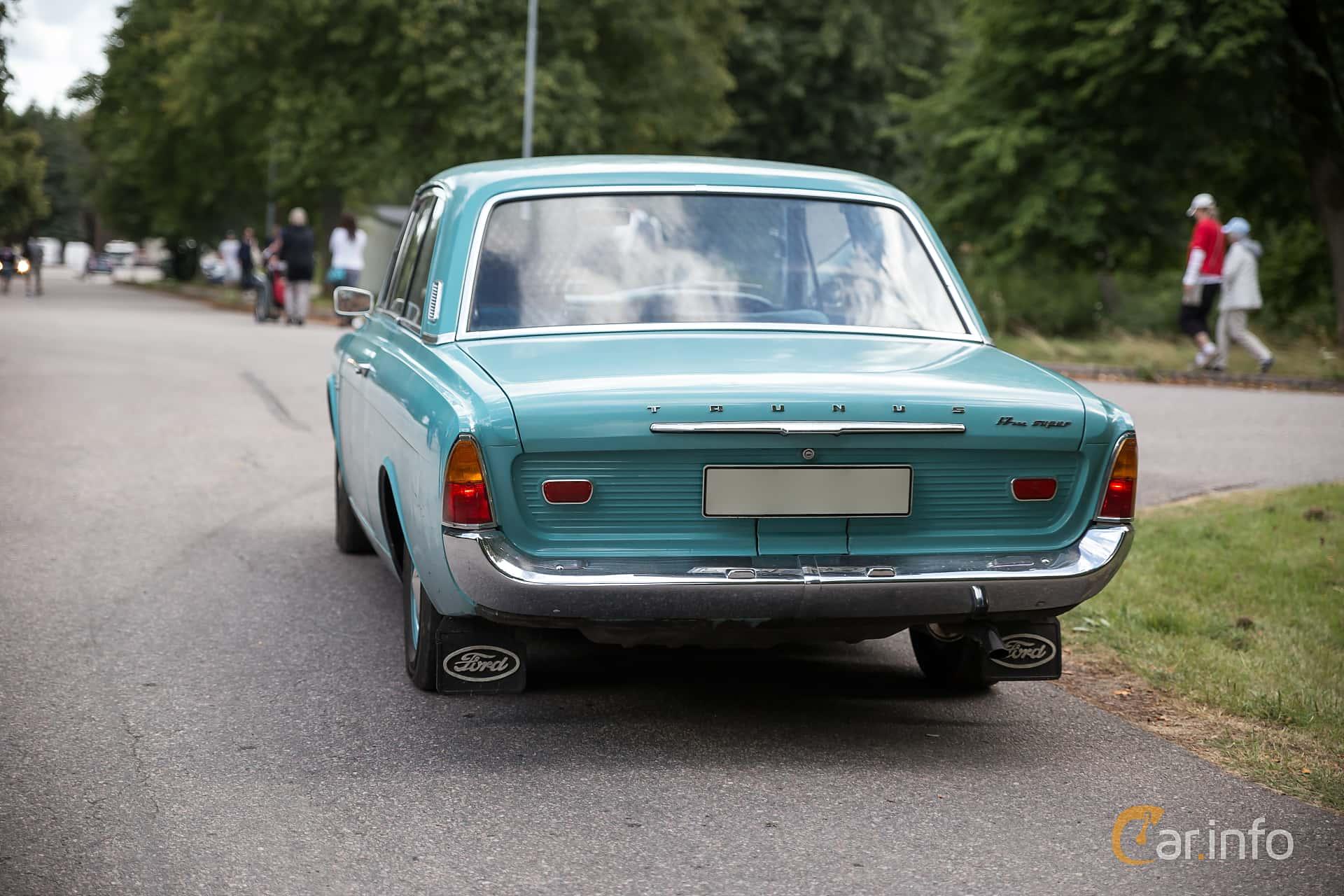 Ford Taunus 2-dörrar Limousine 1.7 Manuell, 71hk, 1965 at Nyköpings flyg- och motordag 2015