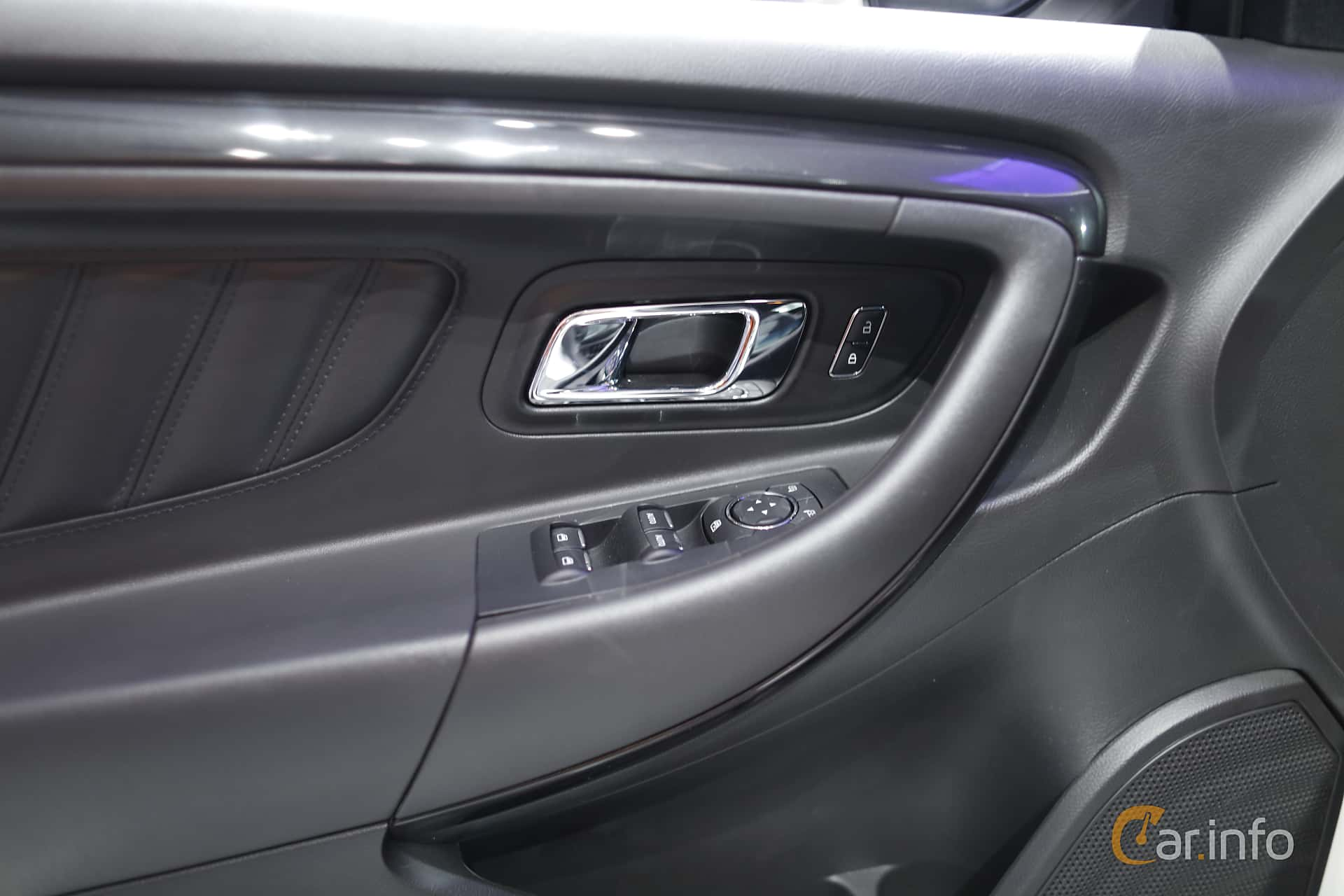 Ford Taurus SHO 3.5 V6 Ecoboost 4x4 SelectShift, 370hp, 2017 at North American International Auto Show 2017