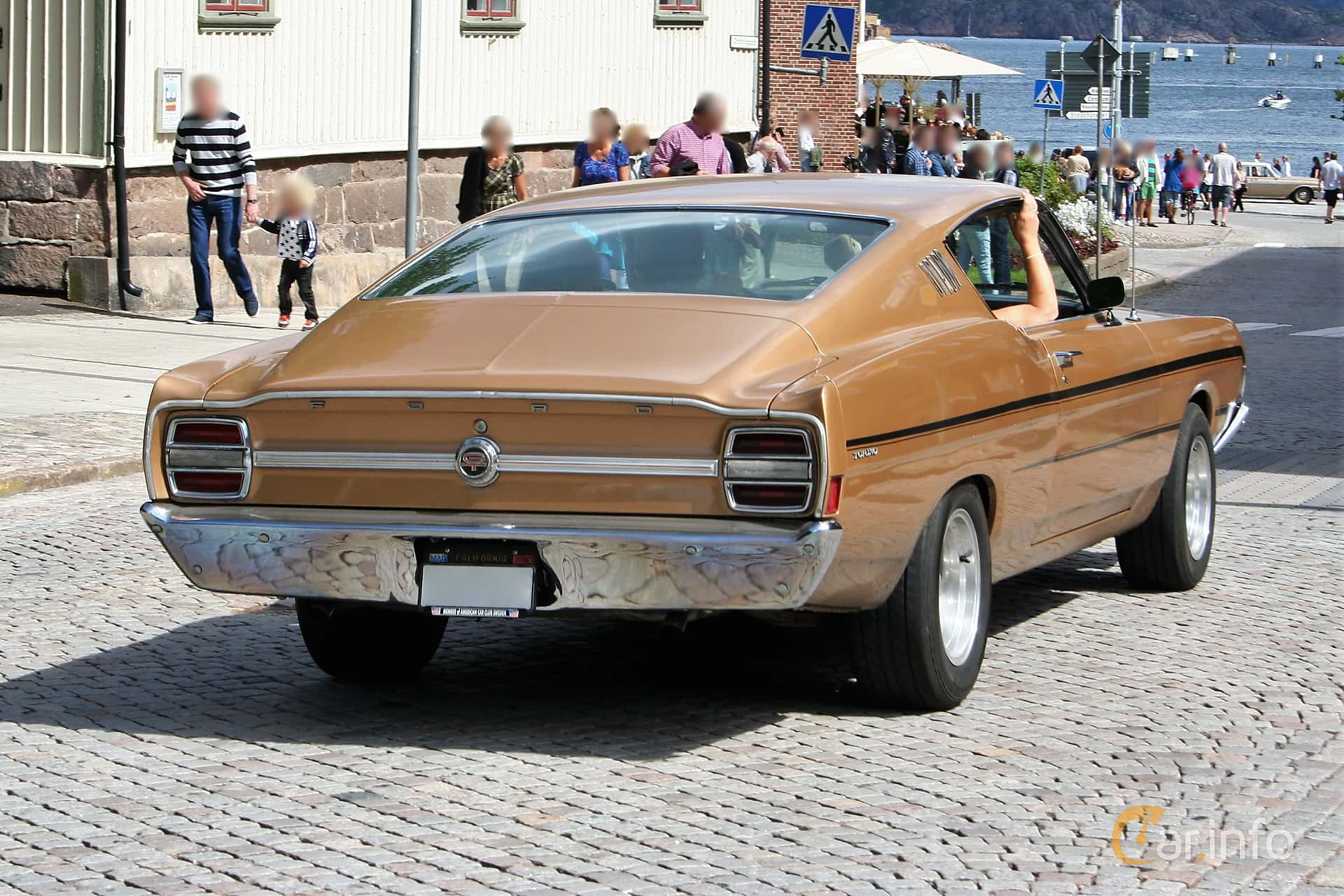 2 images of Ford Torino GT Fastback 4 9 V8 Automatic, 213hp