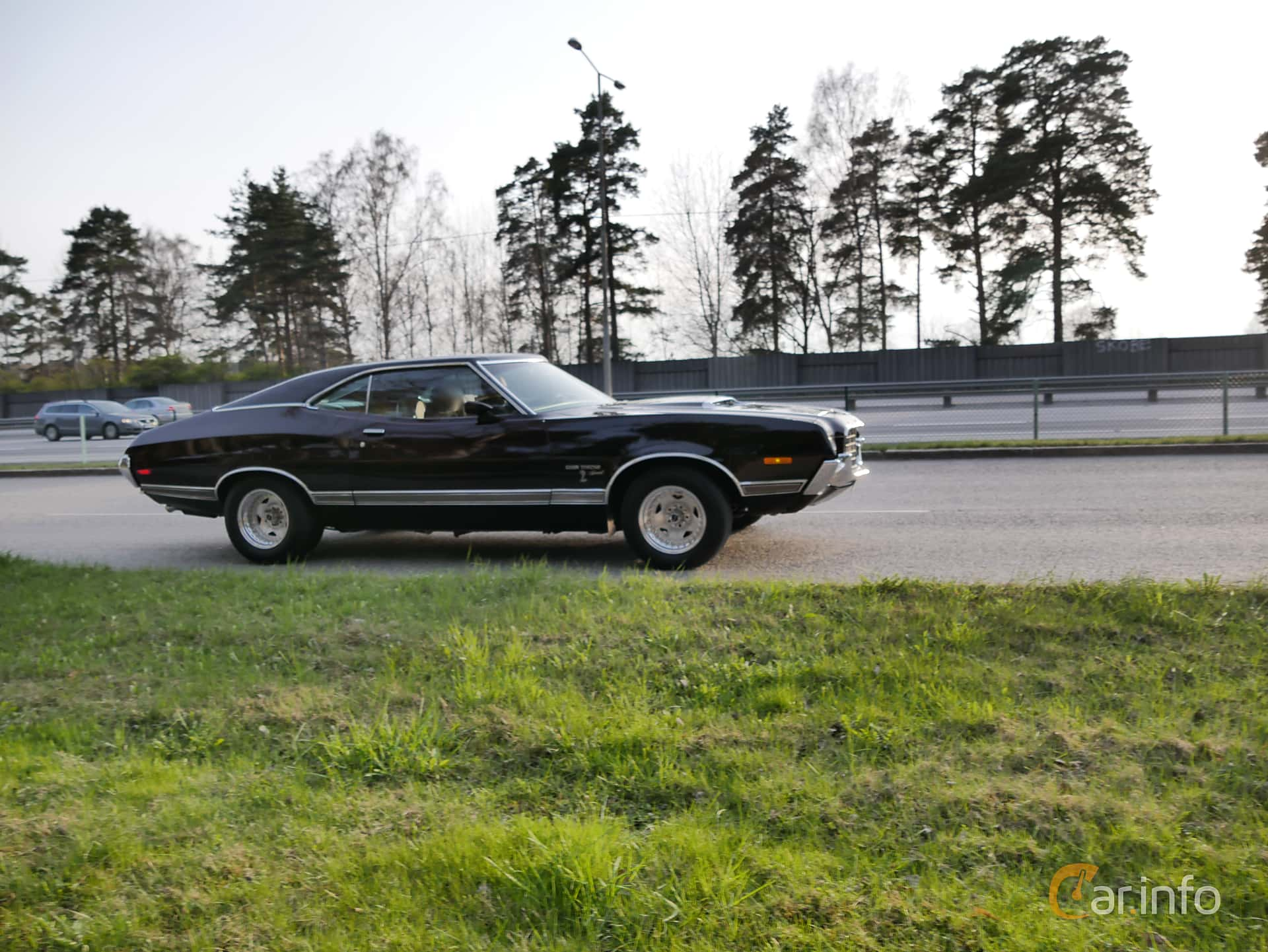 2 Images Of Ford Gran Torino Sport Sportsroof 58 V8 Automatic 1975 Side 270ps 1972 At Valborgscruising