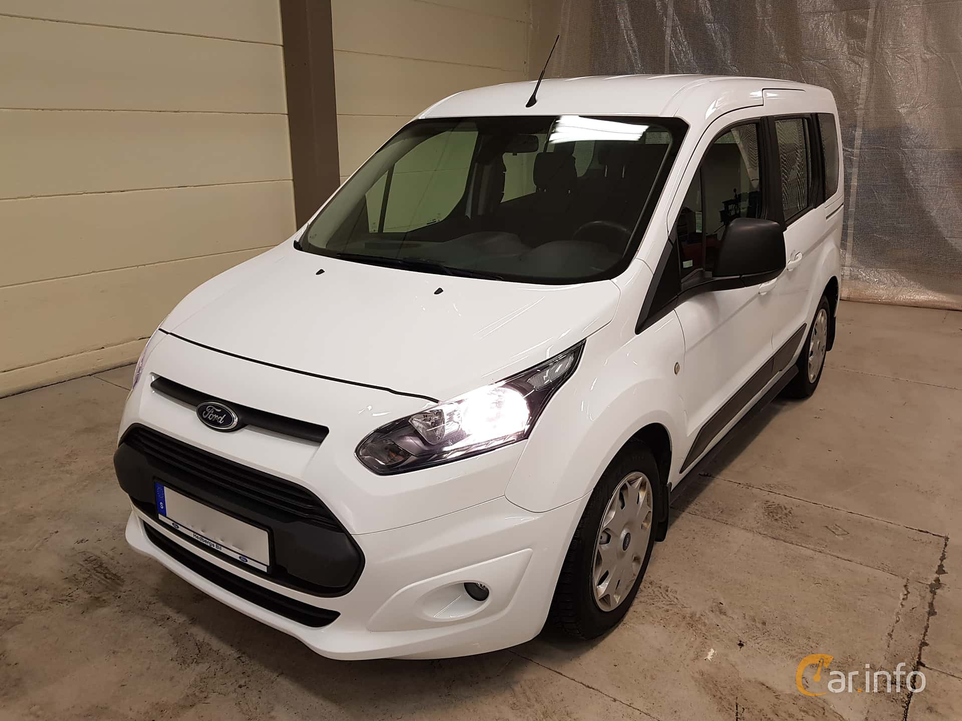 Front/Side  of Ford Tourneo Connect 1.6 TDCi Manual, 95ps, 2015