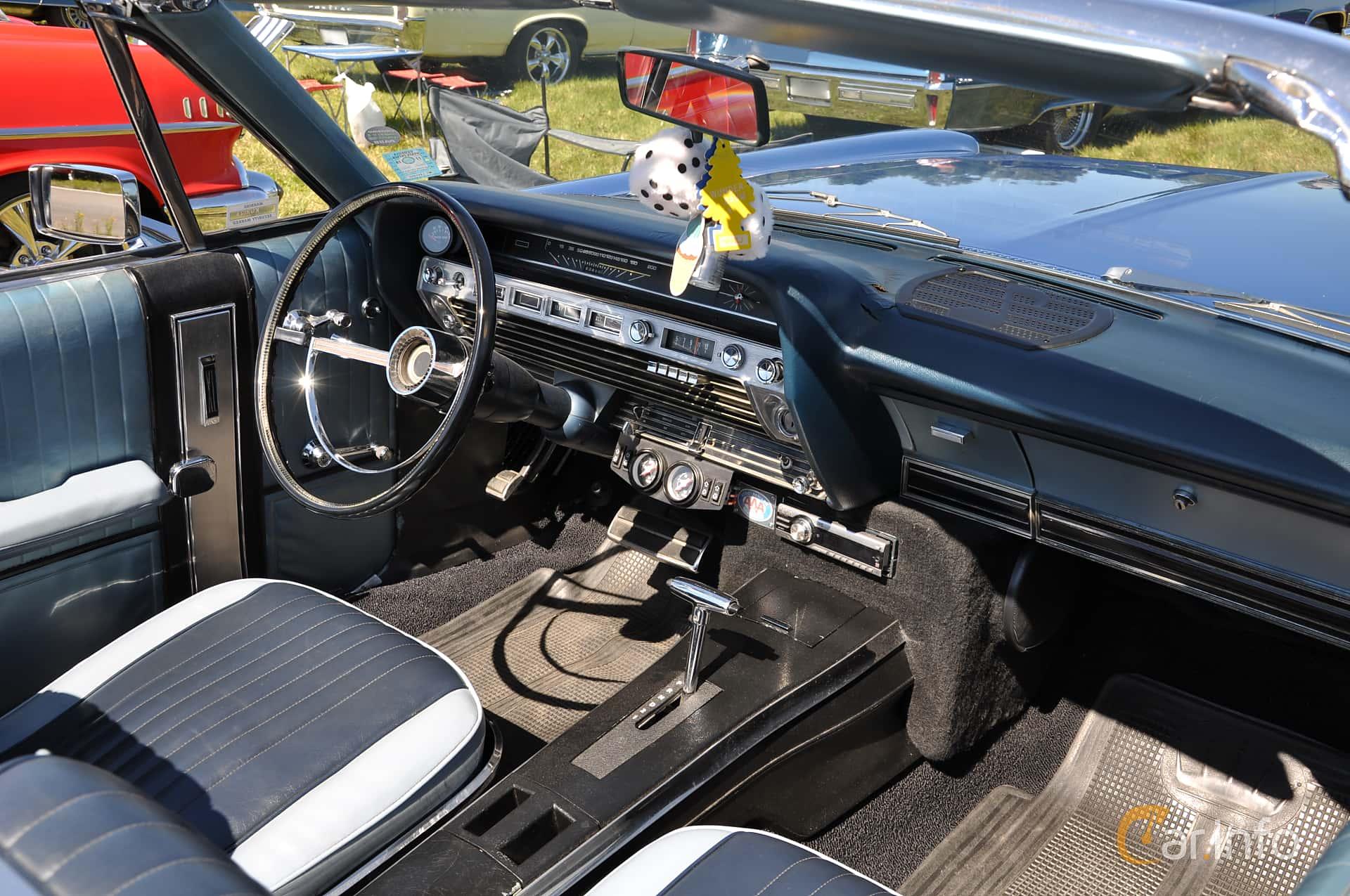 Ford XL Convertible 6.4 V8 Automatic, 274hp, 1967 at Wheels & Wings 2013