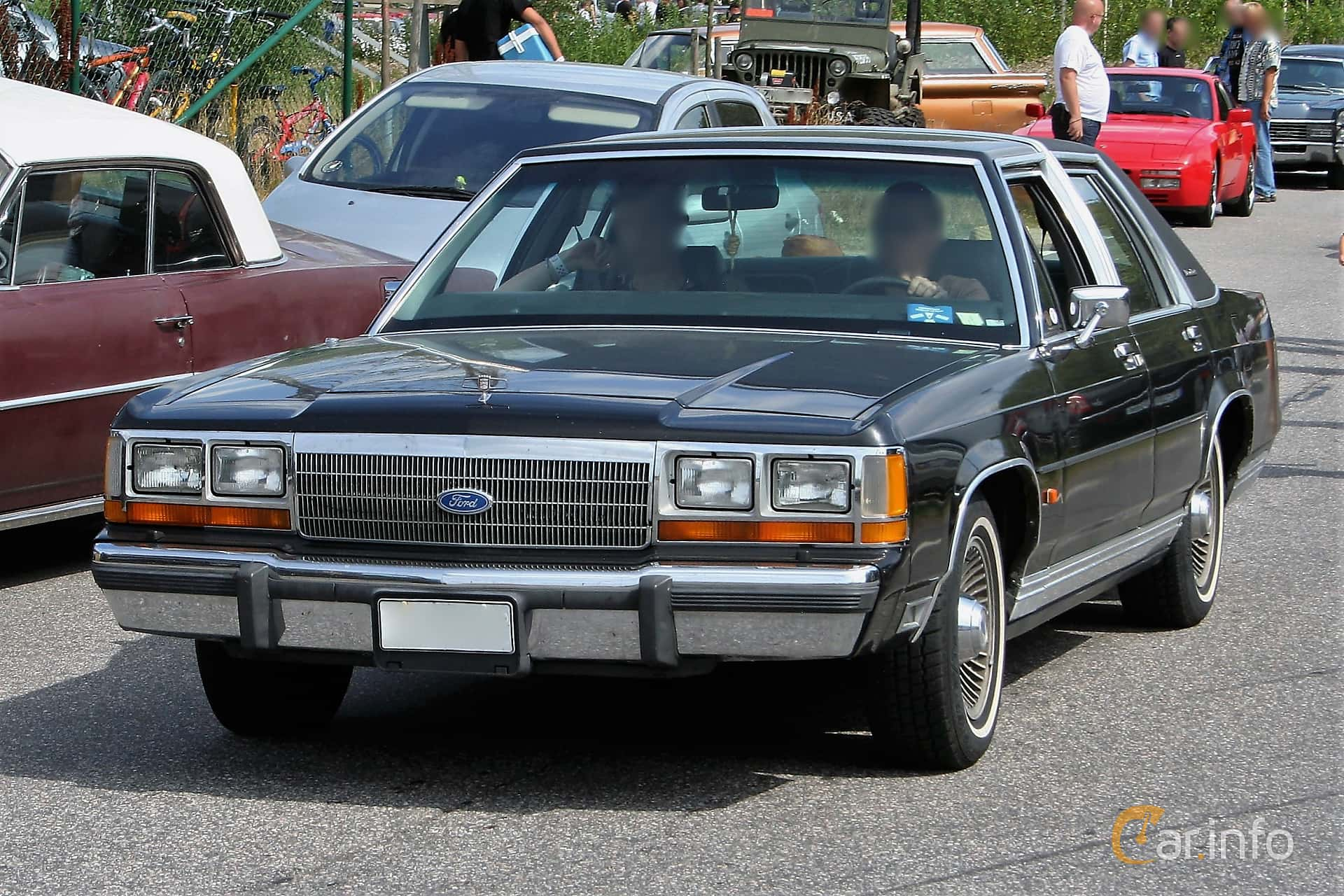 1 Images Of Ford Ltd Crown Victoria Sedan 49 V8 Automatic 147hp 1970 Front Side 147ps 1988