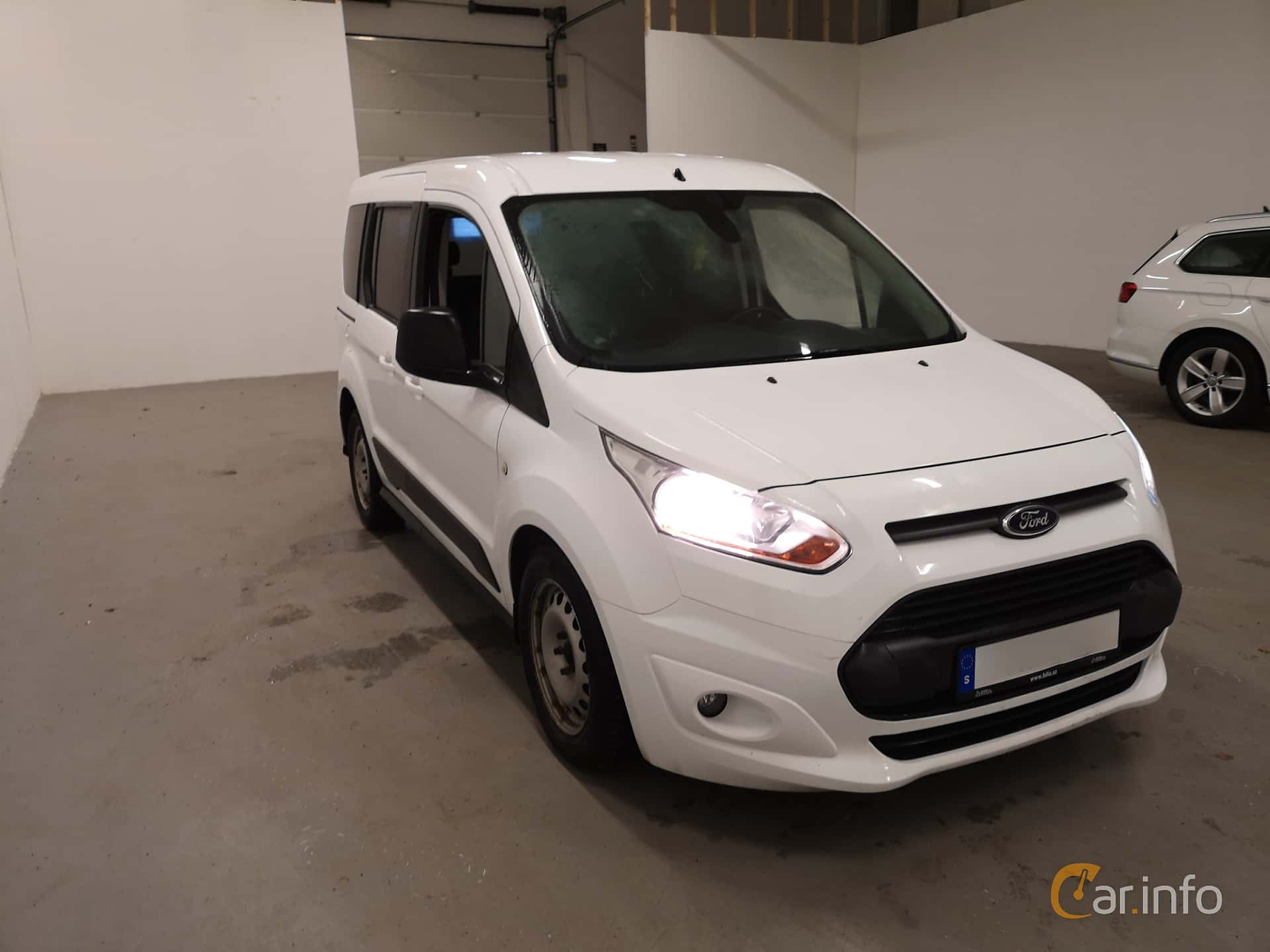 Front/Side  of Ford Tourneo Connect 1.6 EcoBoost SelectShift, 150ps, 2014