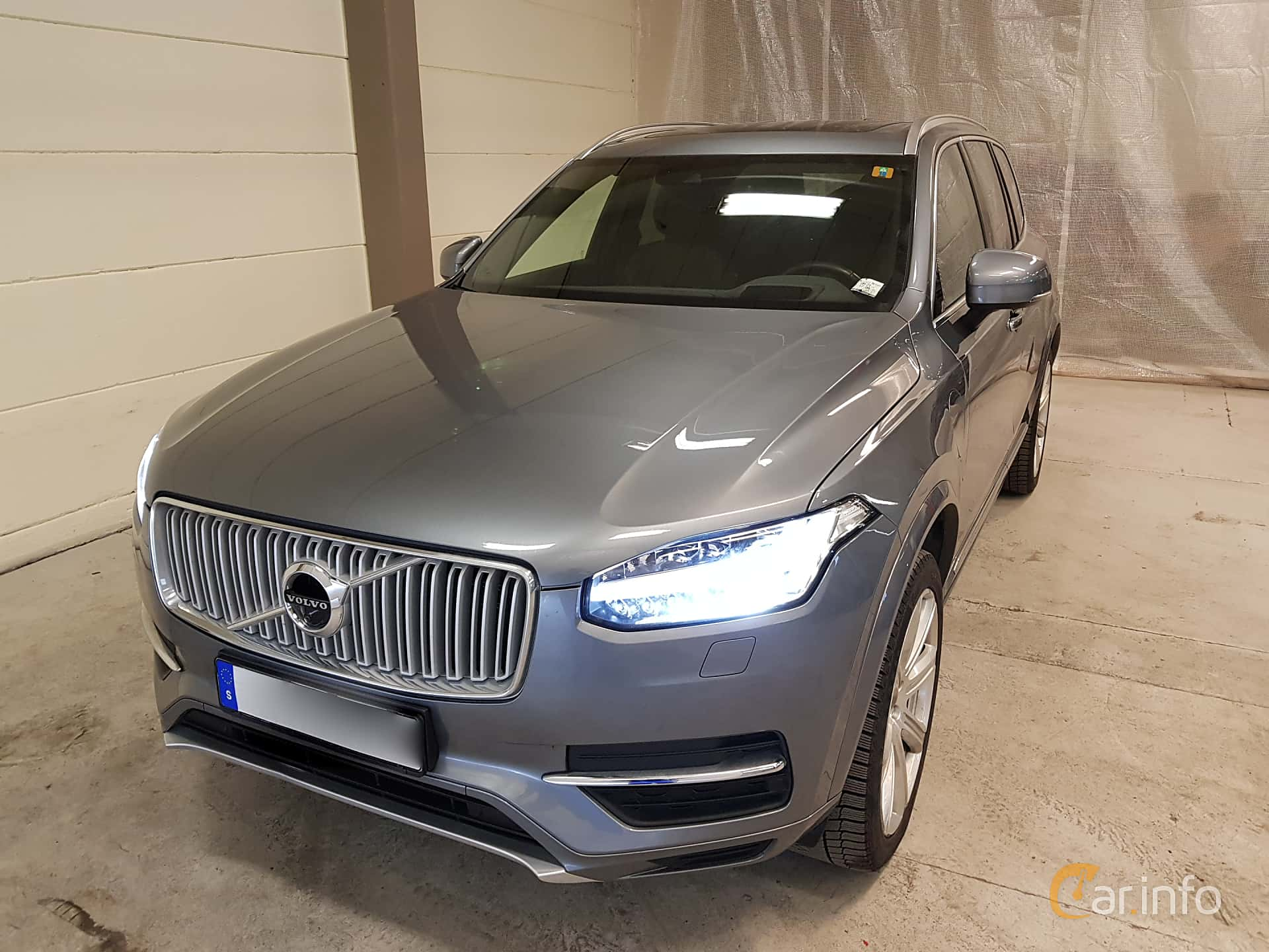 Front/Side  of Volvo XC90 T8 AWD Geartronic, 407ps, 2018