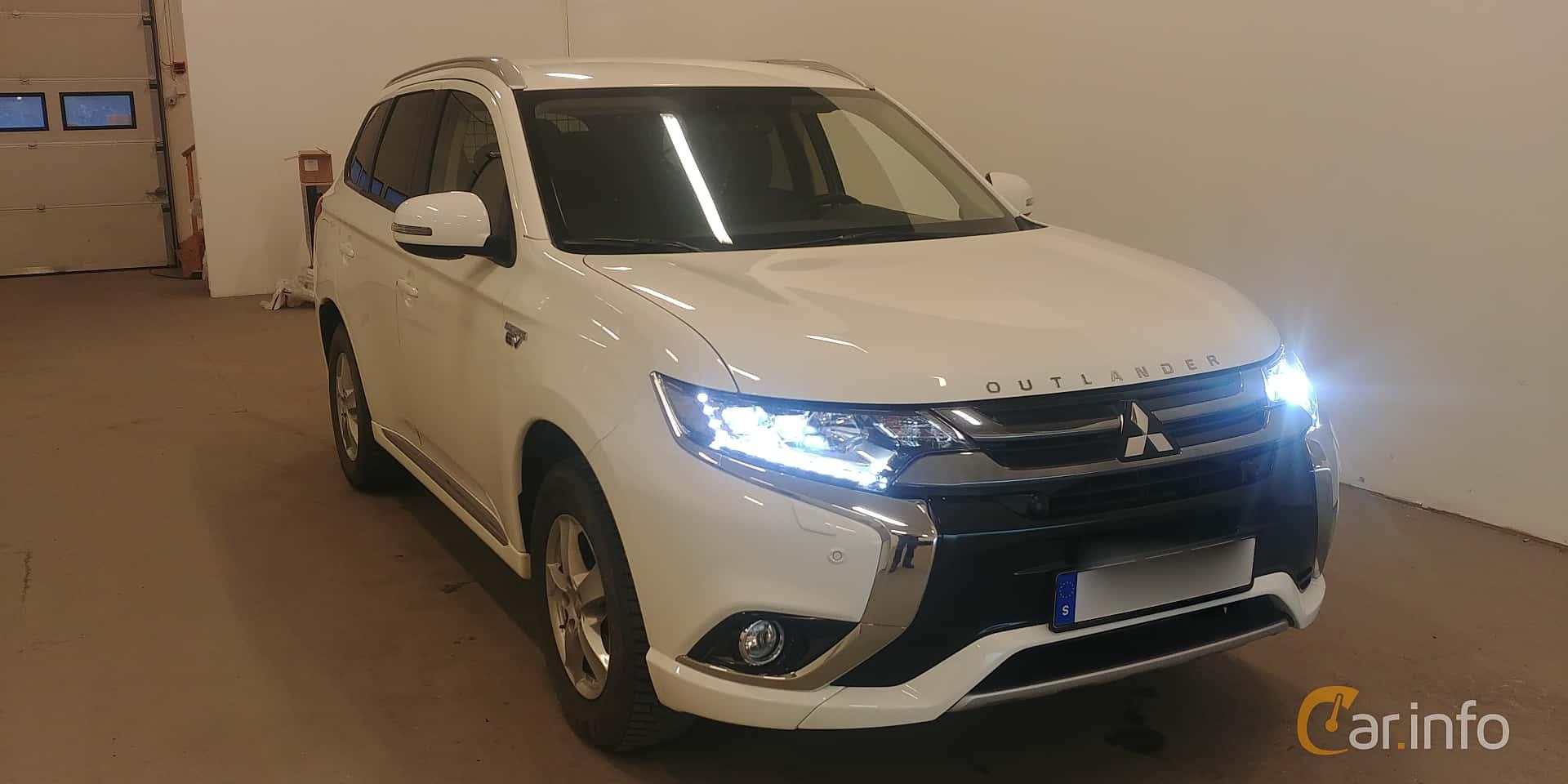 Mitsubishi Outlander P-HEV 2.0 Hybrid 4WD CVT, 203hp, 2018