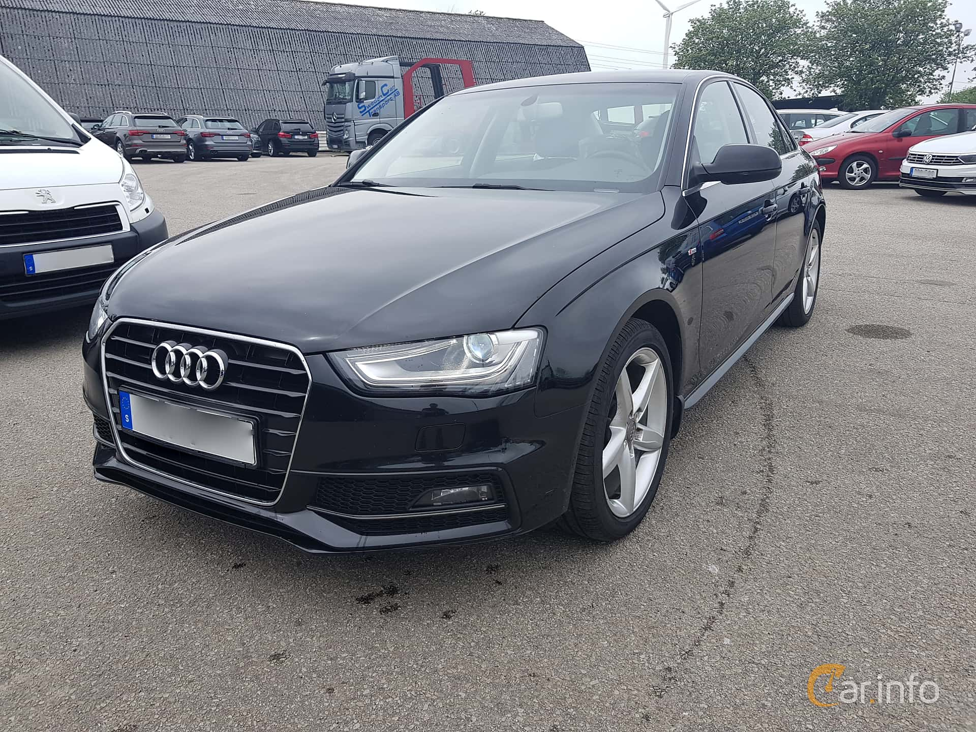 Front/Side  of Audi A4 Sedan 2.0 TDI clean diesel  Manual, 190ps, 2015