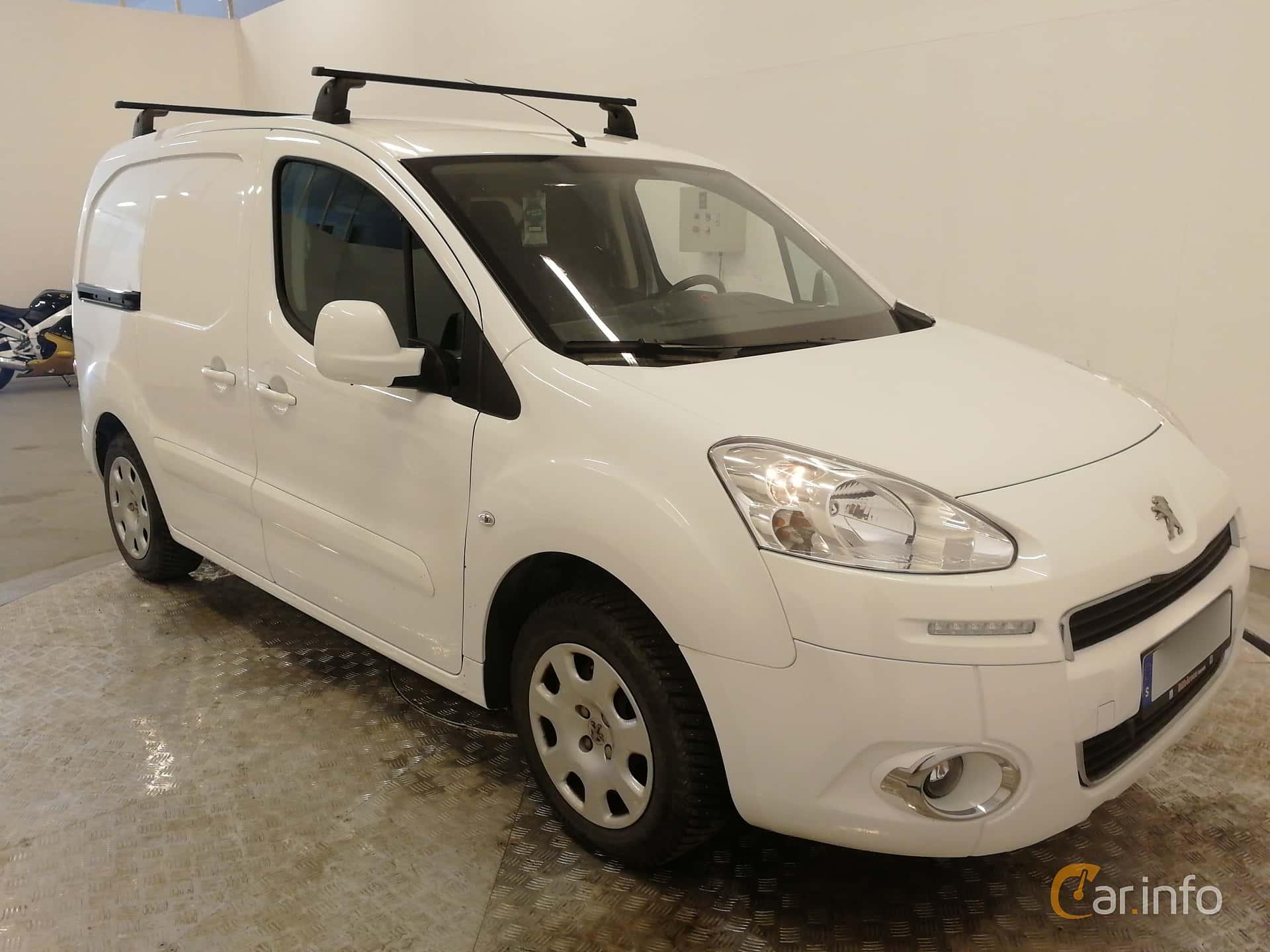 Front/Side  of Peugeot Partner Van 1.6 HDi Manual, 92ps, 2014