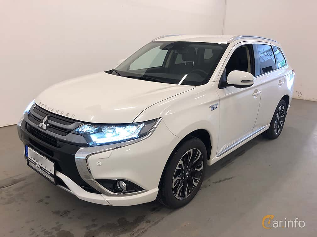 Front/Side  of Mitsubishi Outlander P-HEV 2.0 Hybrid 4WD CVT, 203ps, 2018