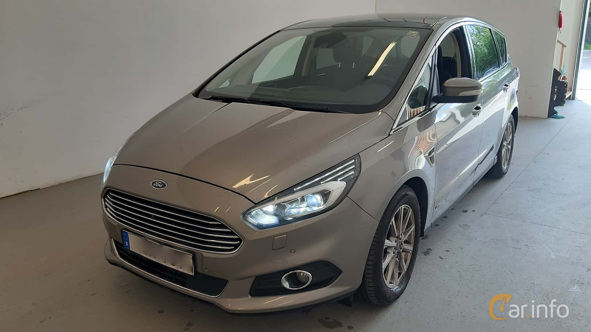 Front/Side  of Ford S-Max 2.0 TDCi AWD Powershift, 180ps, 2017