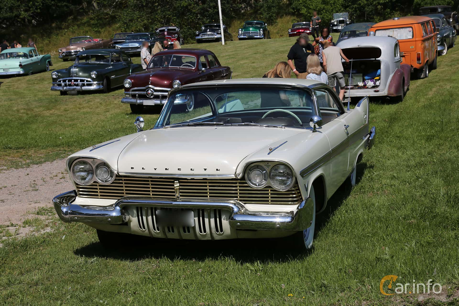 Front/Side  of Plymouth Fury 5.2 V8 294ps, 1957 at A-bombers - Old Style Weekend Backamo 2019