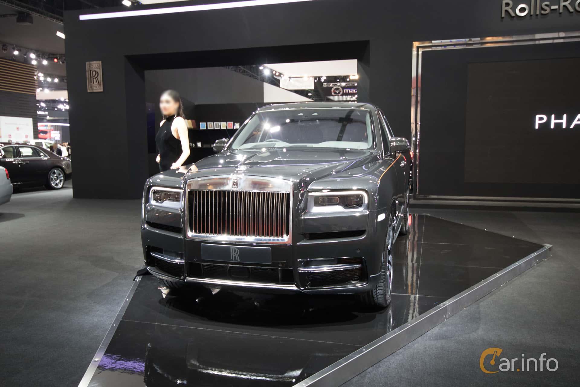 Front/Side  of Rolls-Royce Cullinan 6.75 V12 Automatic, 571ps, 2019 at Bangkok Motor Show 2019
