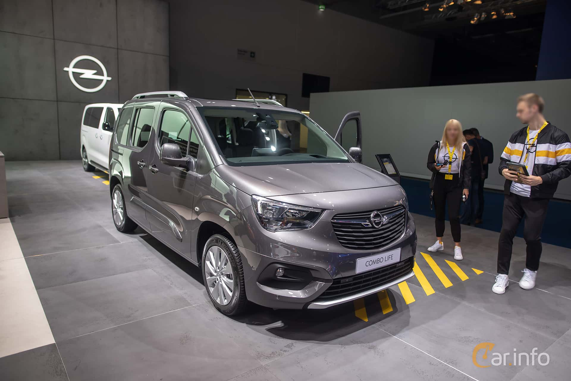 Opel Combo Life 1.2 Manual, 112hp, 2020 at IAA 2019