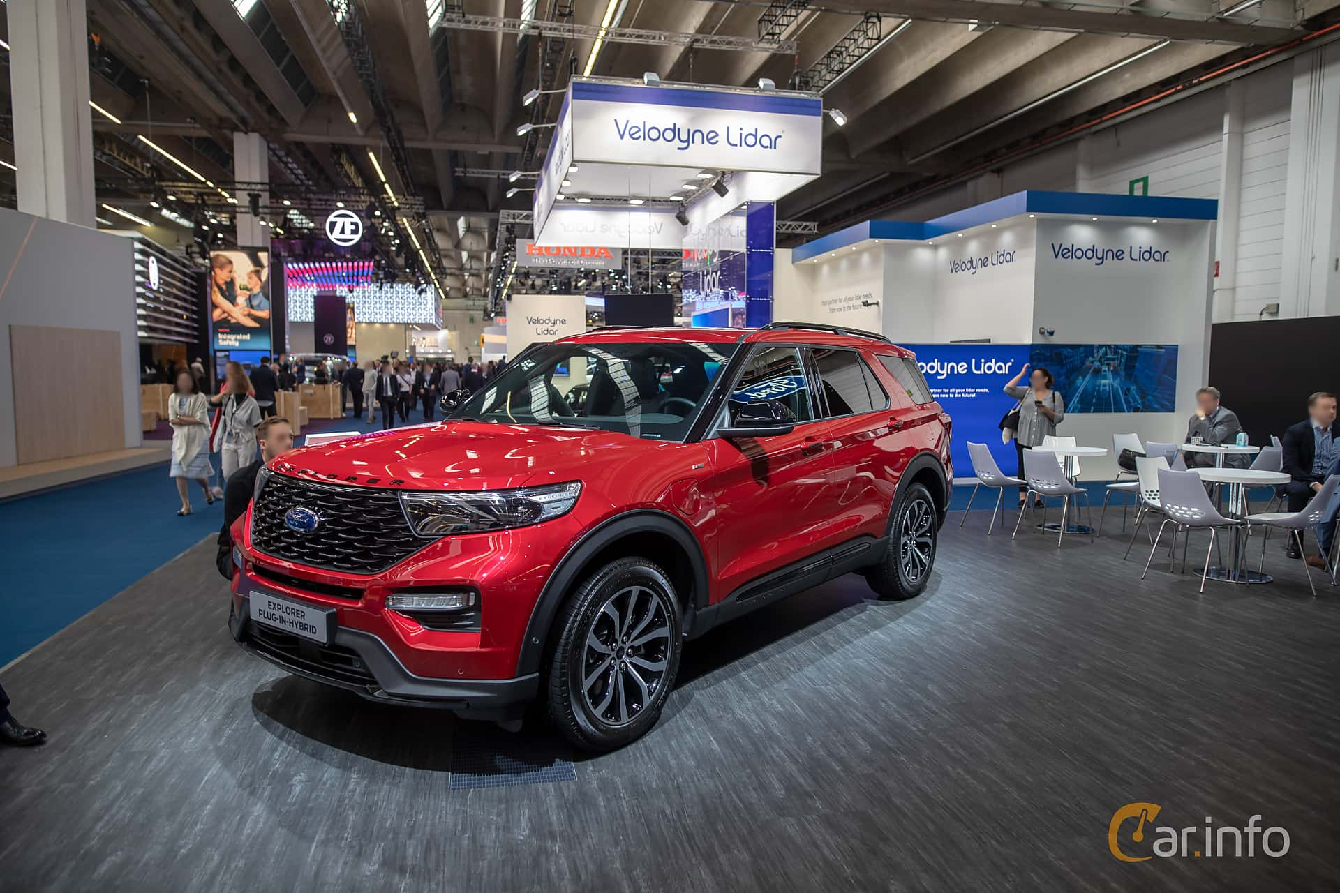 Front/Side  of Ford Explorer Plug-In-Hybrid  Automatic, 457ps, 2020 at IAA 2019