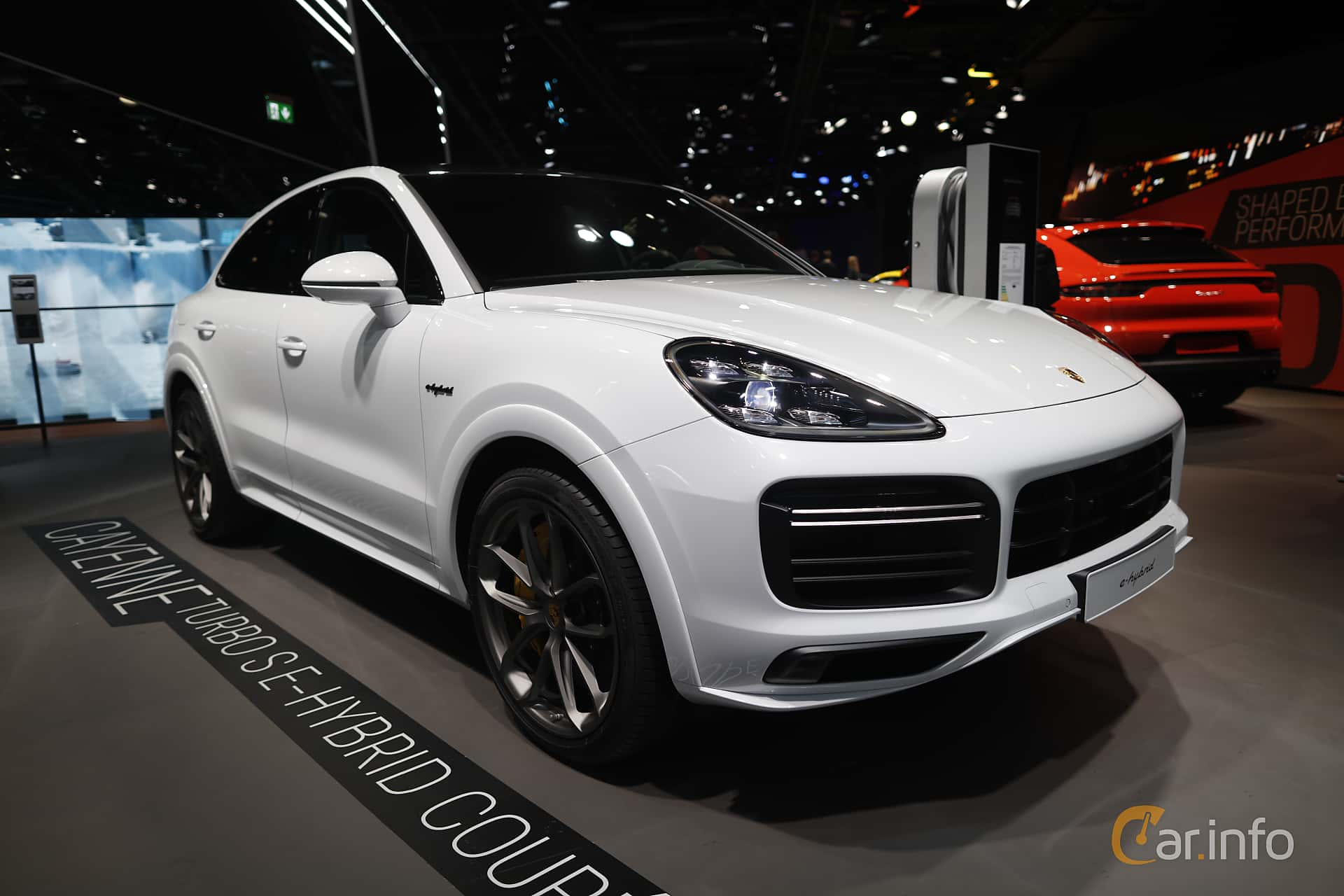 Front/Side  of Porsche Cayenne Coupé Turbo S E-Hybrid 4.0 V8 TipTronic S, 680ps, 2020 at IAA 2019