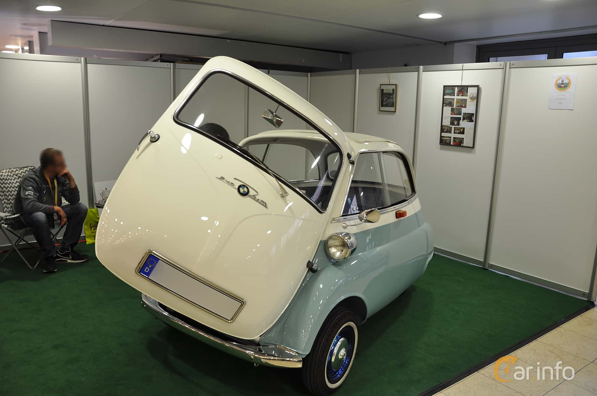 Front/Side  of BMW Isetta 250  Manual, 12ps, 1955 at Techno Classica Essen 2019