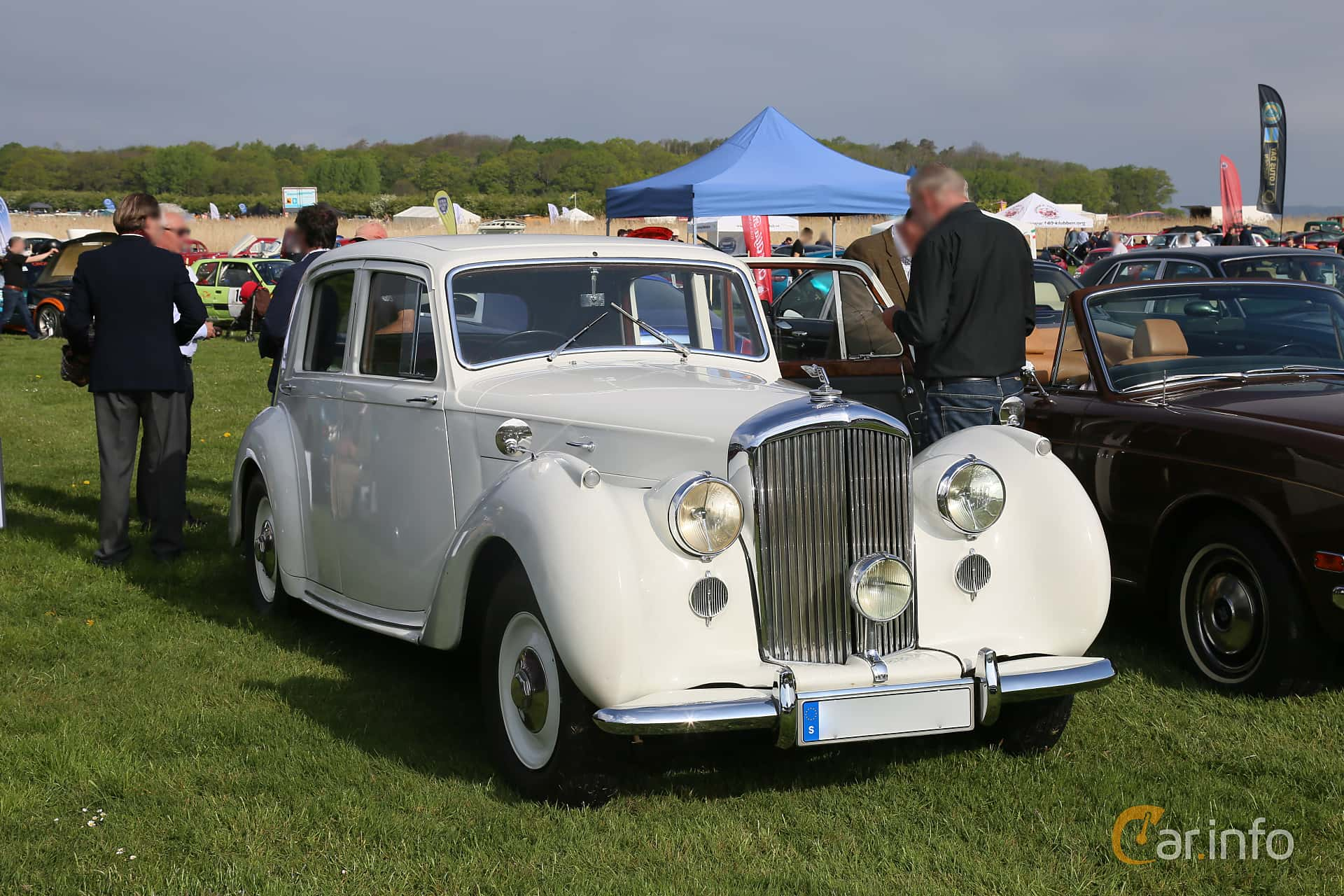 2 images of Bentley Mark VI 4 3 Manual, 130hp, 1947 by Espee