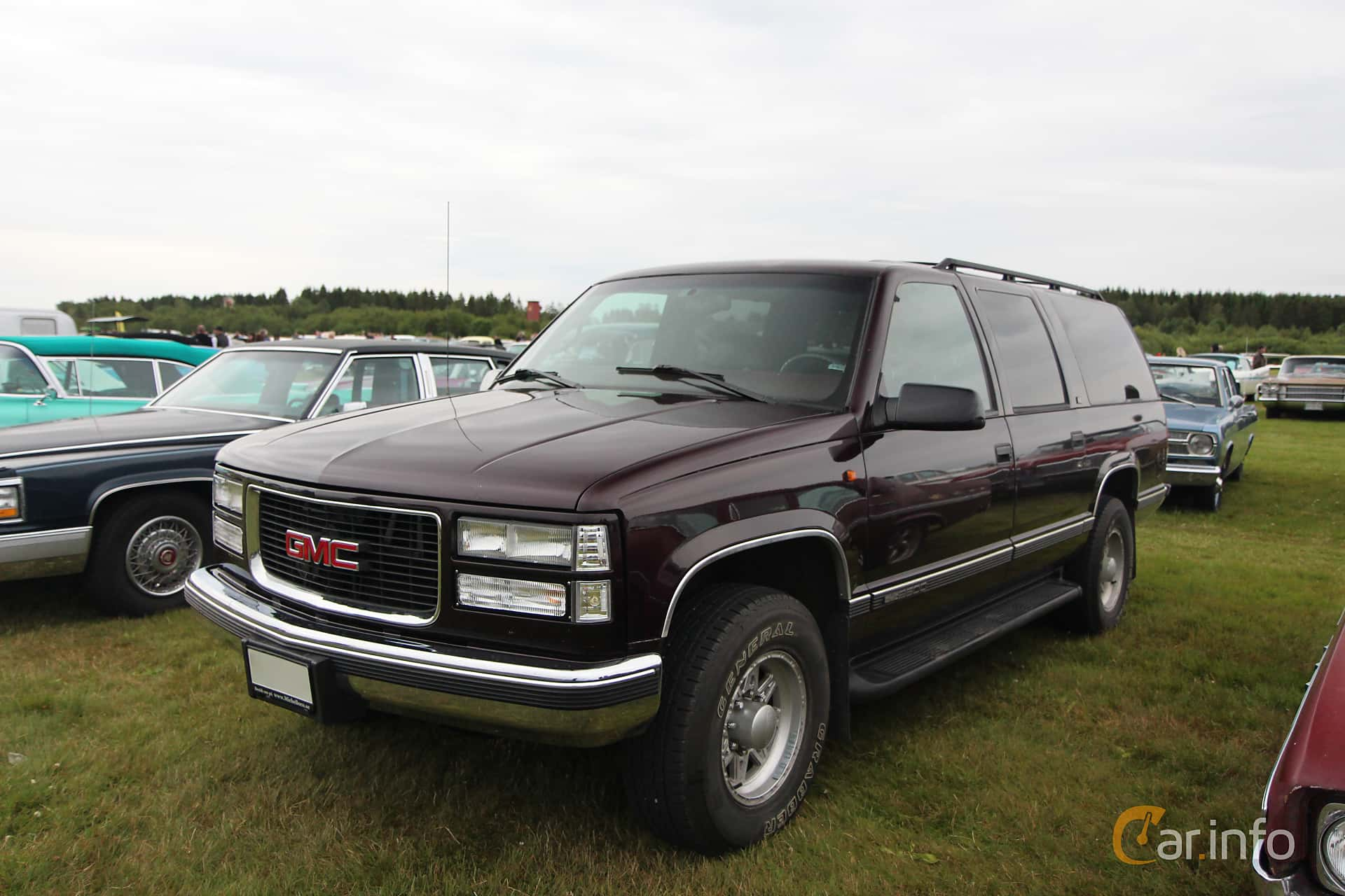 gmc suburban. Black Bedroom Furniture Sets. Home Design Ideas