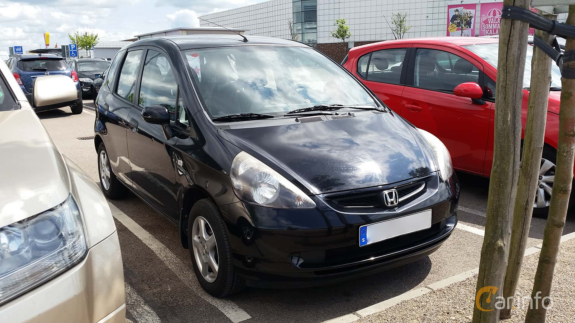 Front/Side of Honda Jazz 1.3 Manual, 83ps, 2004