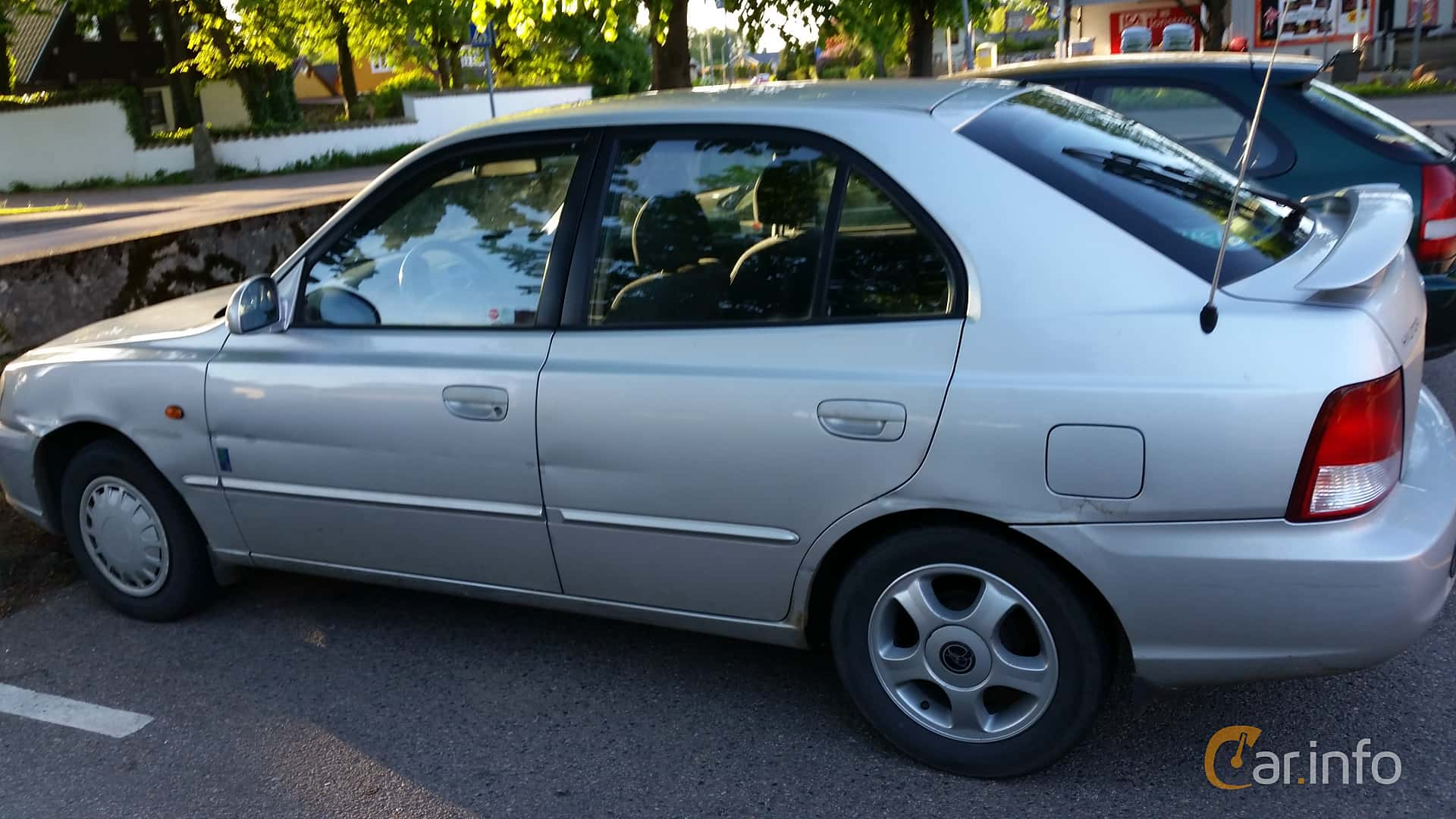 2 images of hyundai accent 5 door 1 5 manual 90hp 2002 by jonasbonde door 1 5 manual 90hp 2002 by jonasbonde
