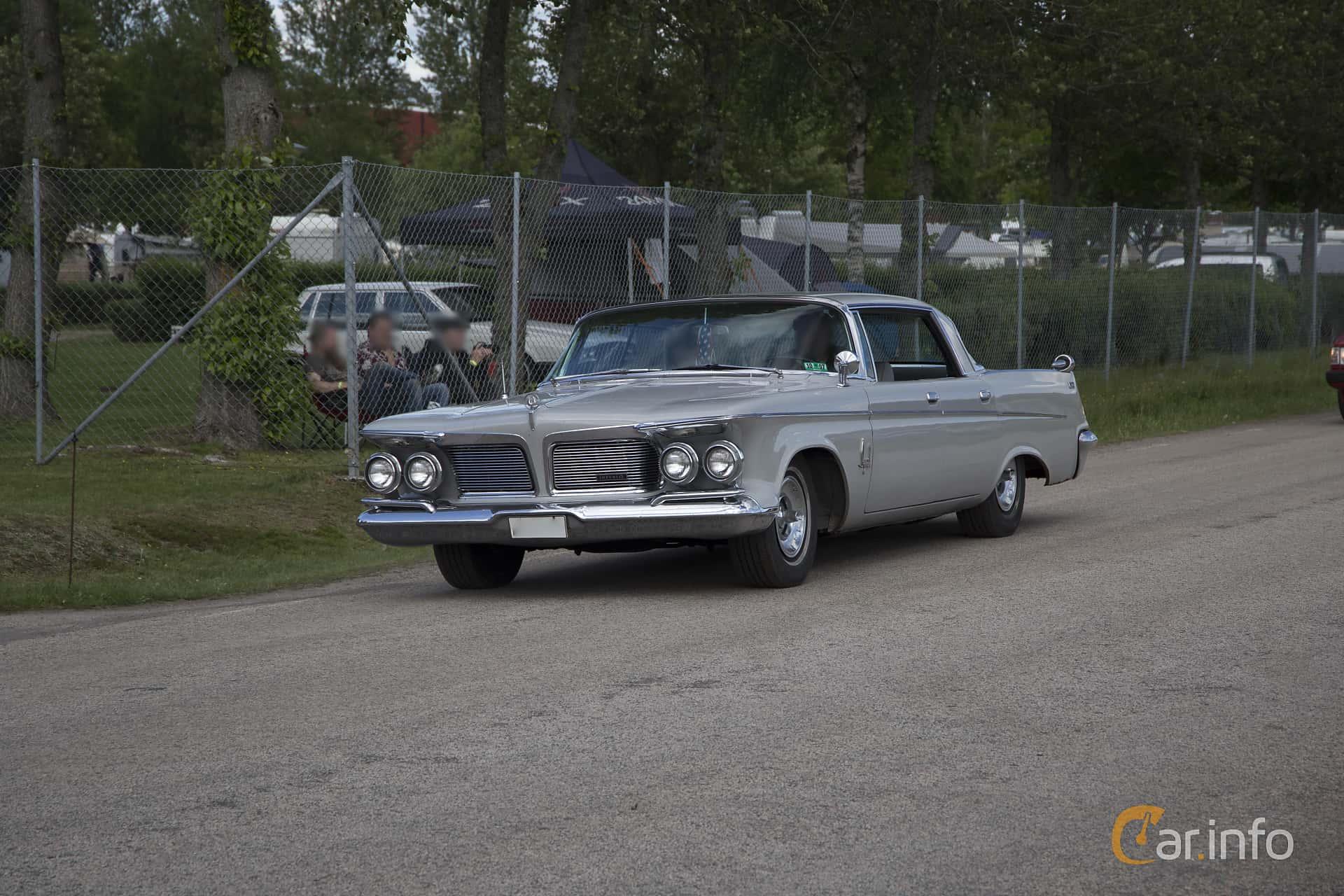 Imperial Crown 4-door Southampton 6.8 V8 TorqueFlite, 345hp, 1962 at Nostalgifestivalen i Vårgårda 2017