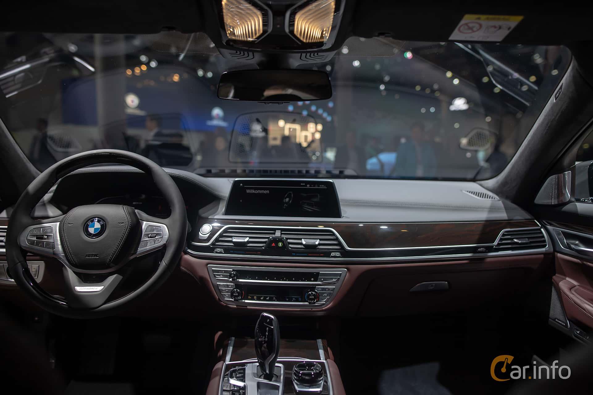 BMW 745e  Steptronic, 394hk, 2020 at IAA 2019