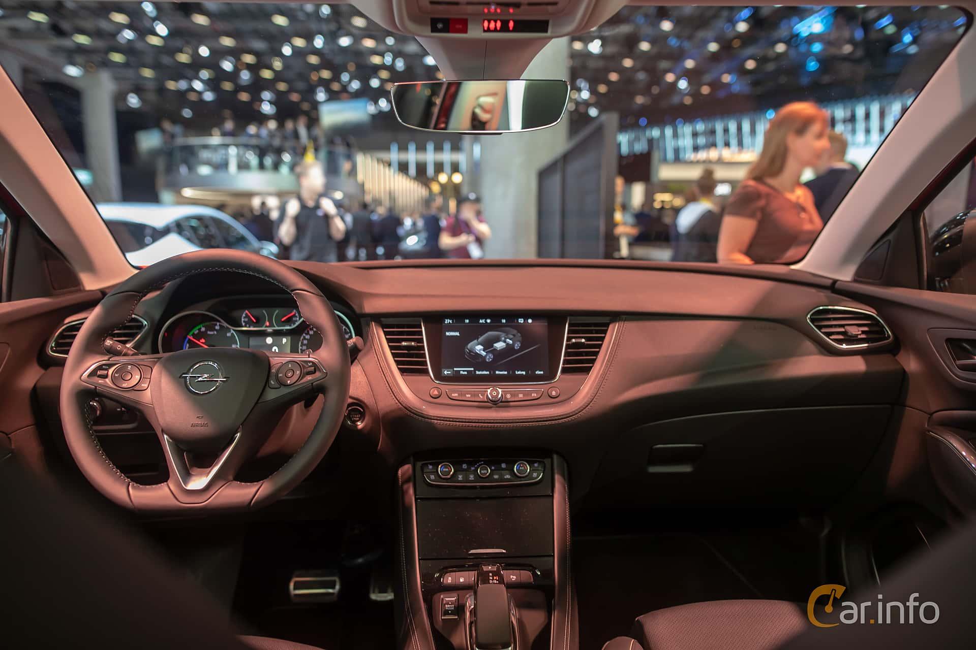 Opel Grandland X Hybrid4  Automatic, 300hp, 2020 at IAA 2019