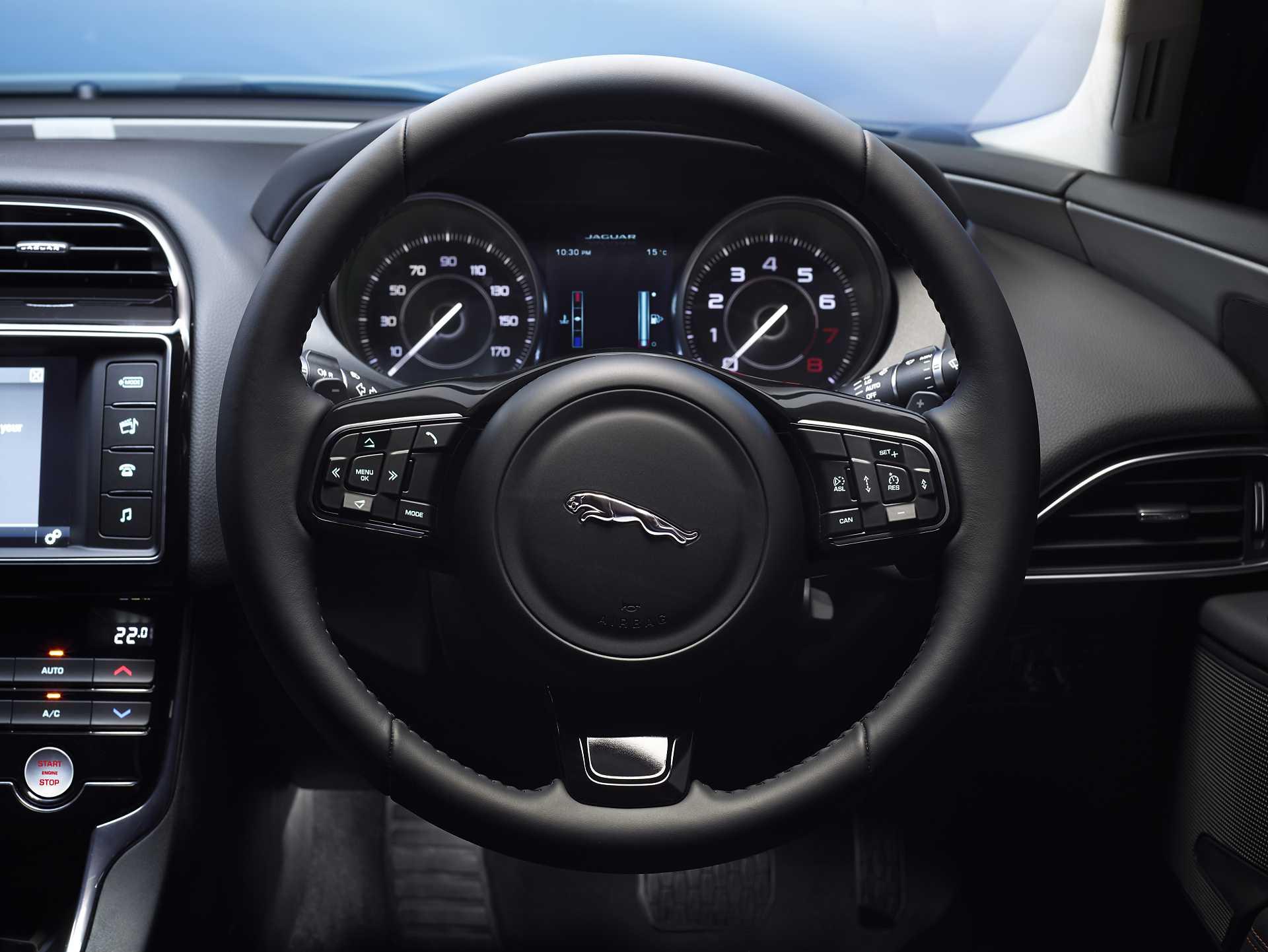 Jaguar XE 20t 2.0 Automatic, 200hp, 2015