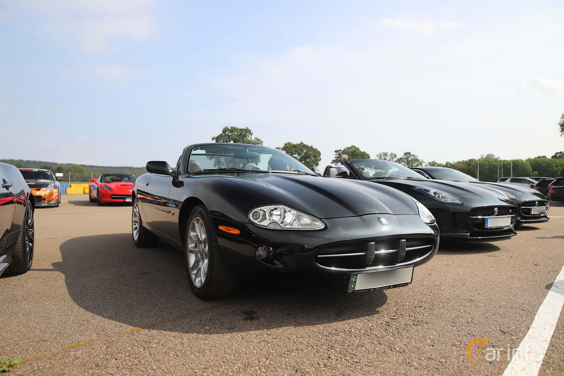 Jaguar XK8 Convertible 4.0 V8 Automatic, 284hp, 1999 at Autoropa Racing day Knutstorp 2019