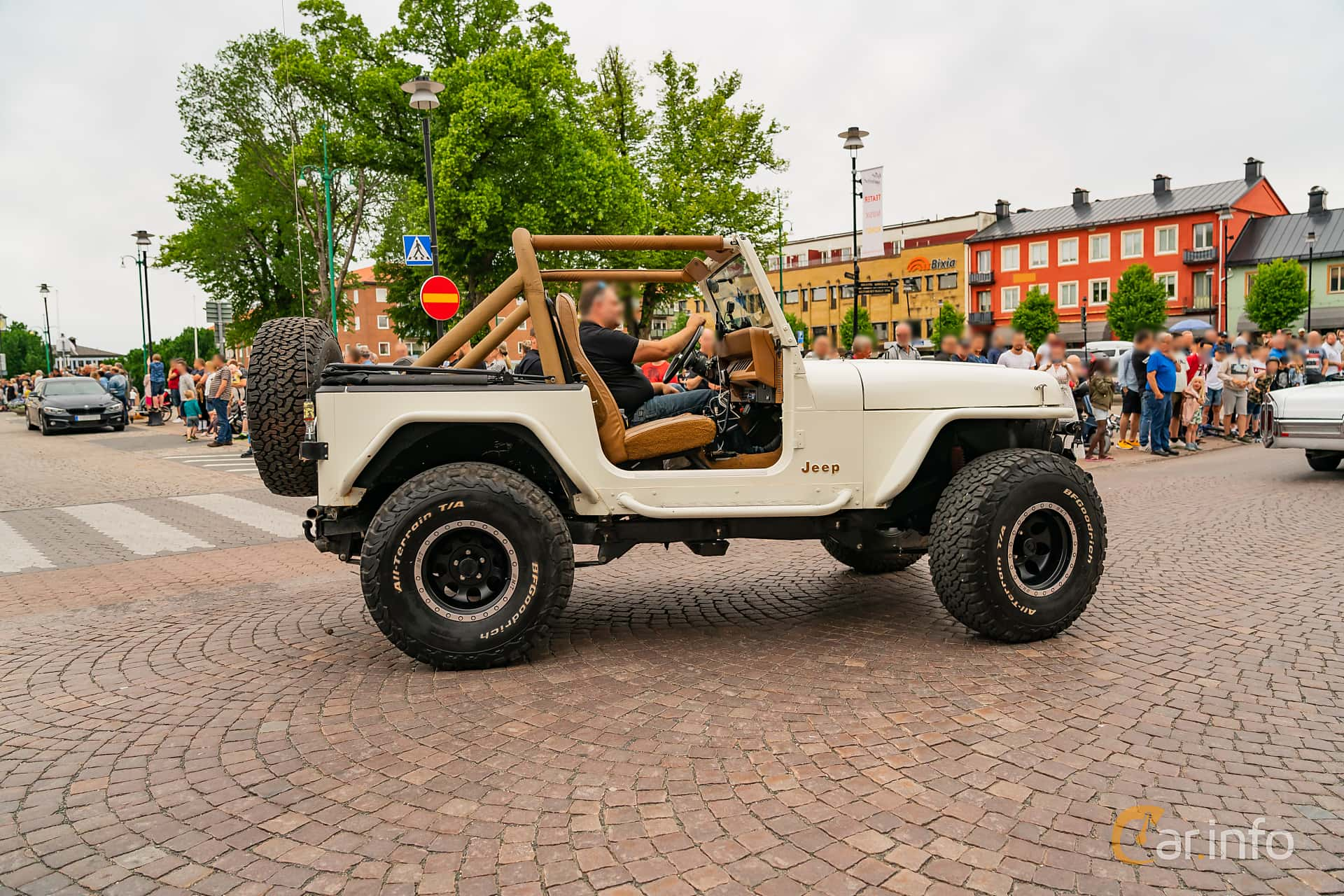 Jeep Wrangler 4.2 4WD Manual, 121hp, 1987 at Nässjö Cruising 2019