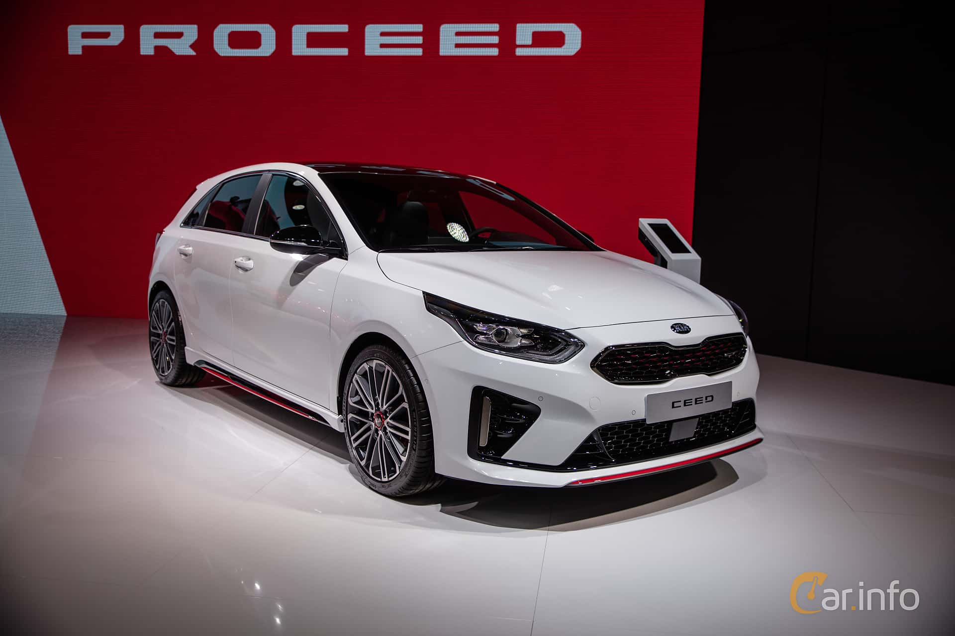 Front/Side  of Kia Ceed GT 1.6 T-GDI DCT, 204ps, 2019 at Paris Motor Show 2018