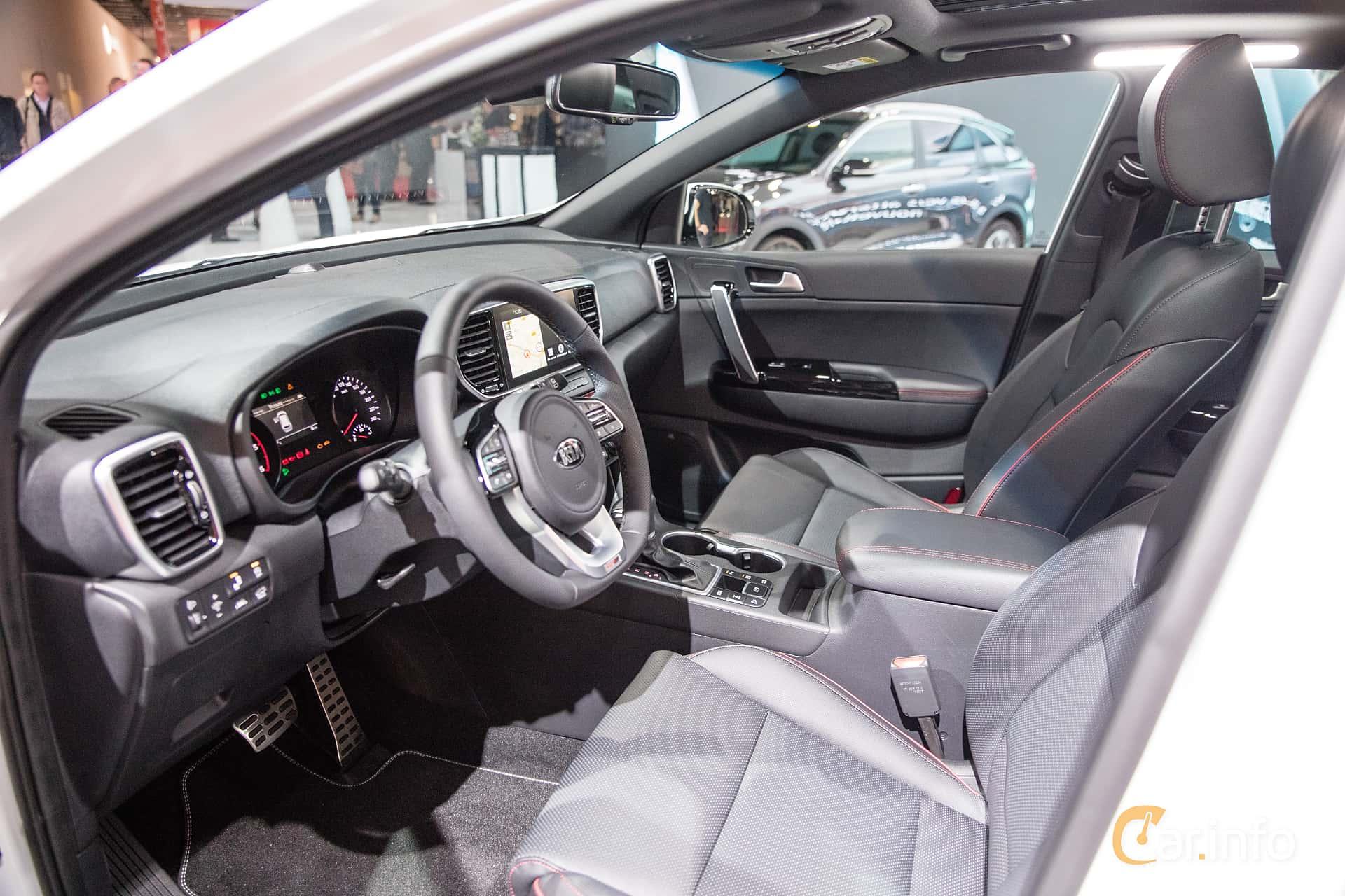 Interior of Kia Sportage 2.0 CRDi AWD Automatic, 184ps, 2019 at Paris Motor Show 2018