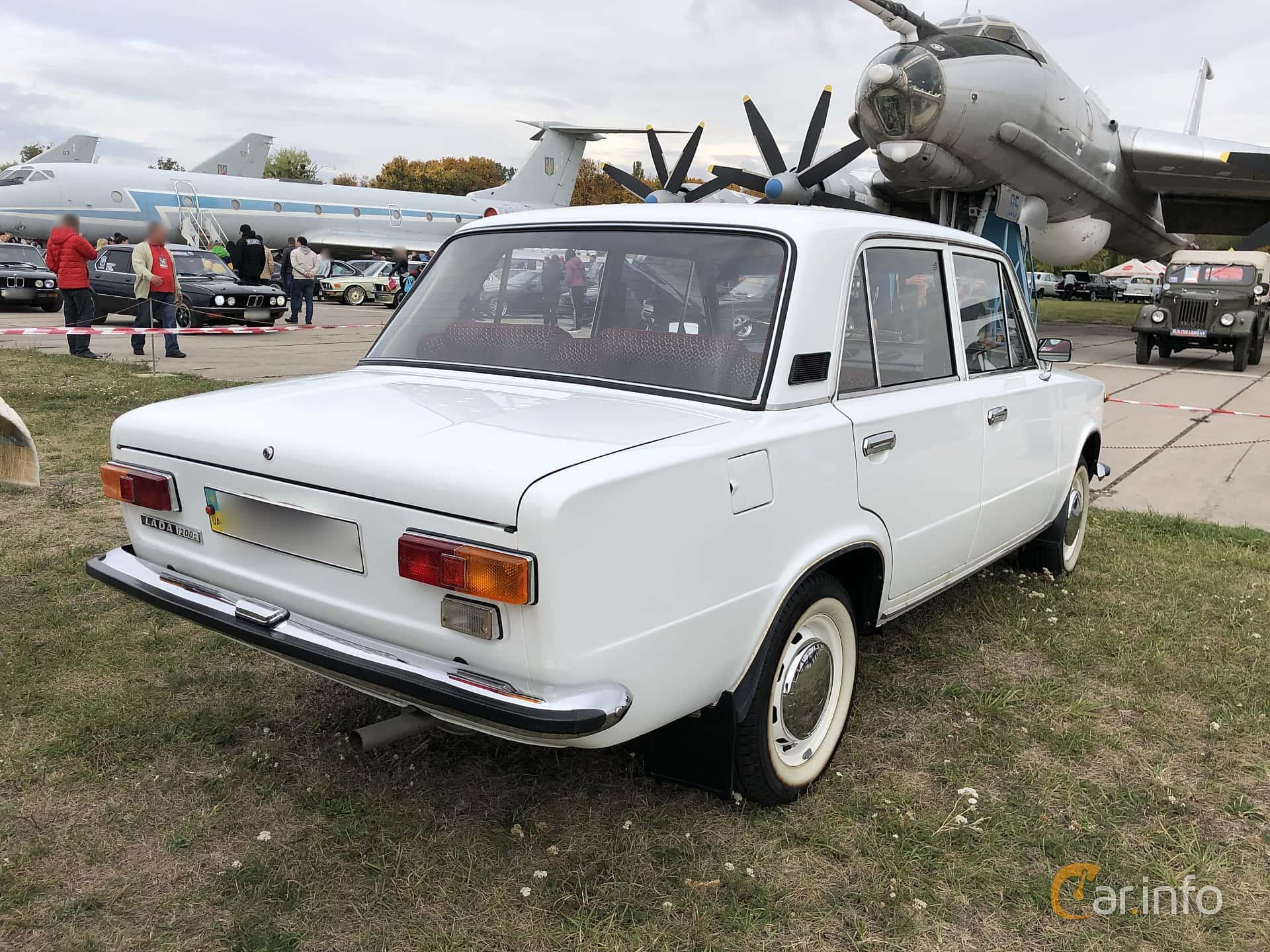 Lada 1200S 1.2 Manual, 64hp, 1984 at Old Car Land no.2 2019