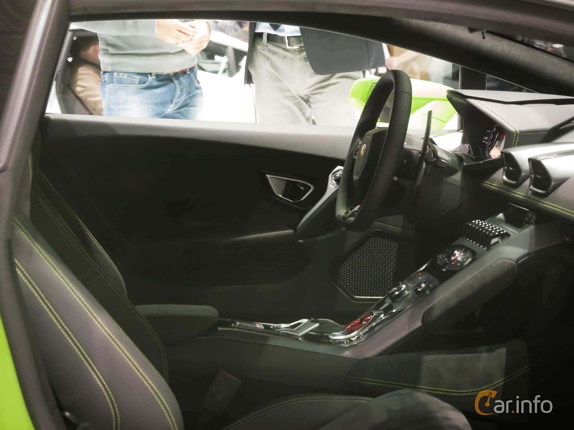 Tagen Pa Geneva Motor Show 2014