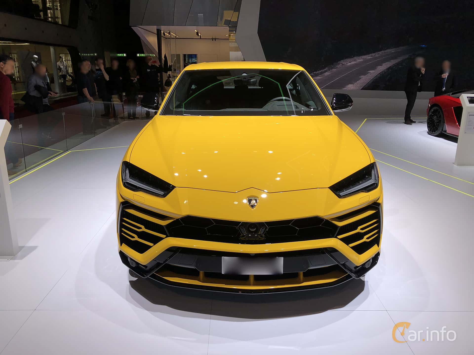 Front  of Lamborghini Urus 4.0 V8 AWD Automatic, 650ps, 2018
