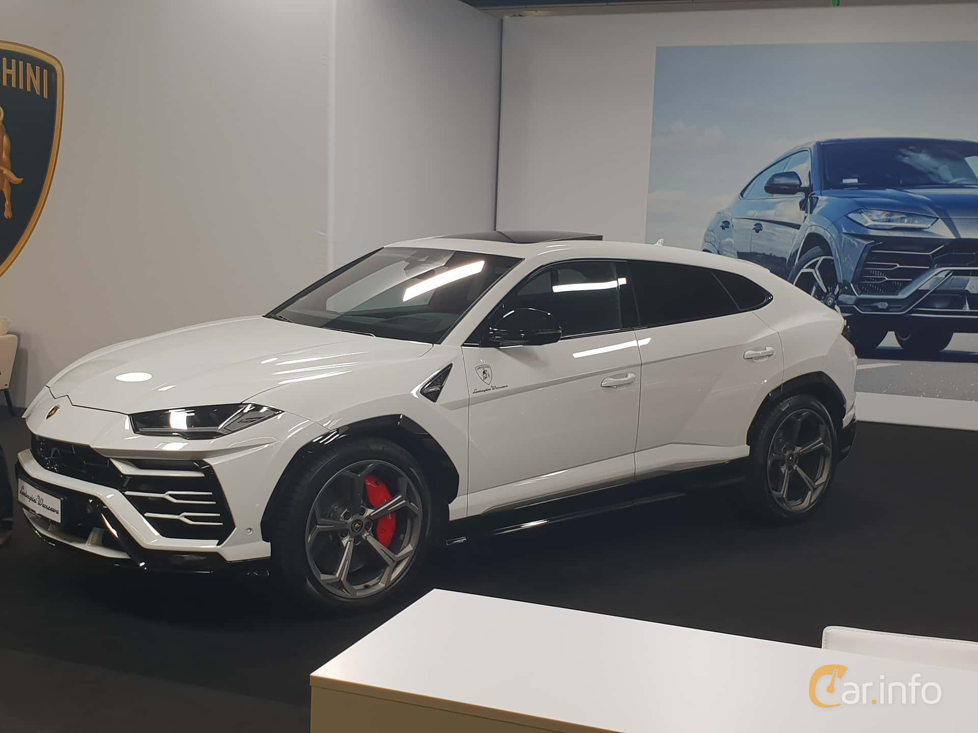 Front/Side  of Lamborghini Urus 4.0 V8 AWD Automatic, 650ps, 2018 at Warsawa Motorshow 2018