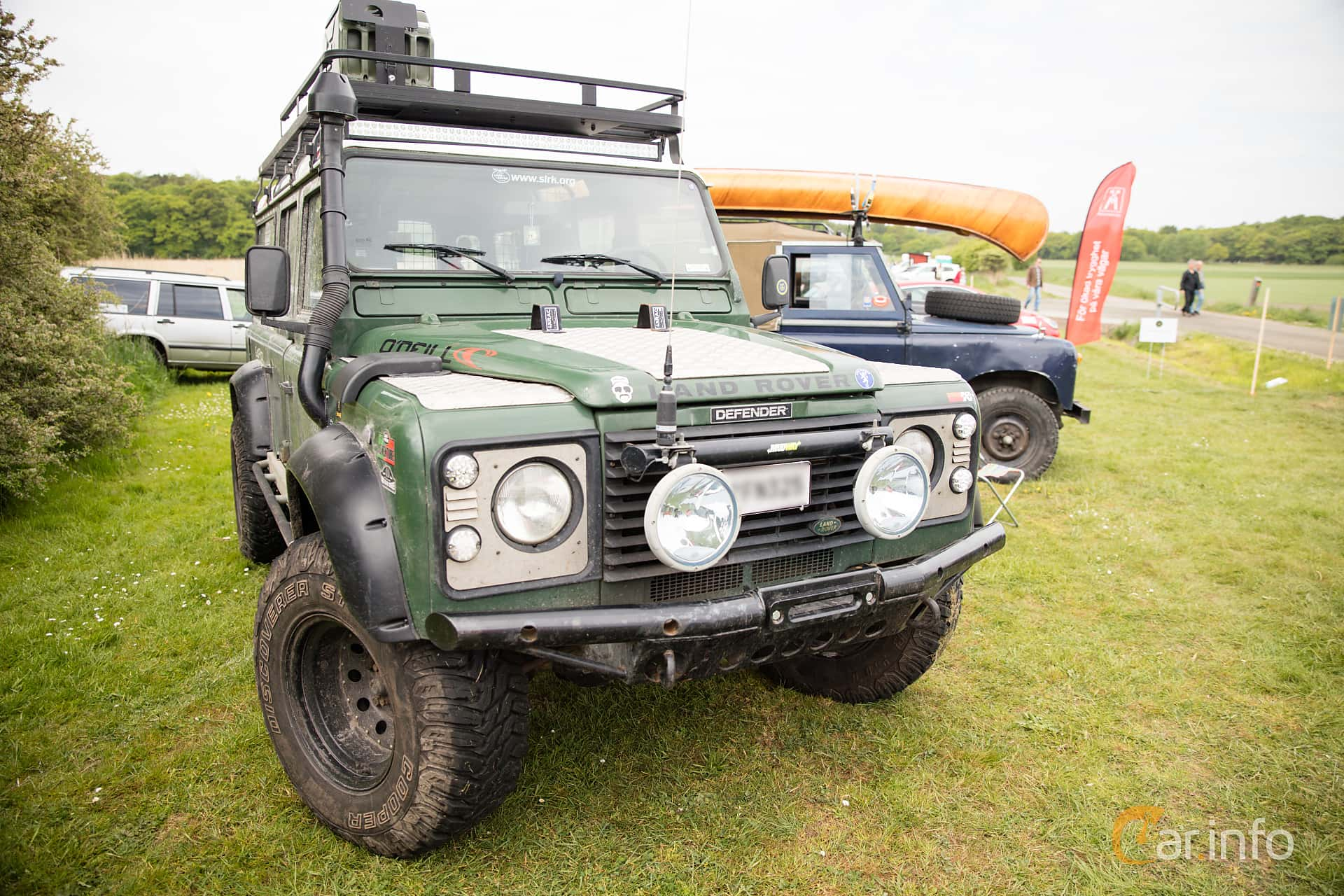 Front/Side of Land Rover Defender 110 2.5 4x4 Manual, 122ps, 2000 at