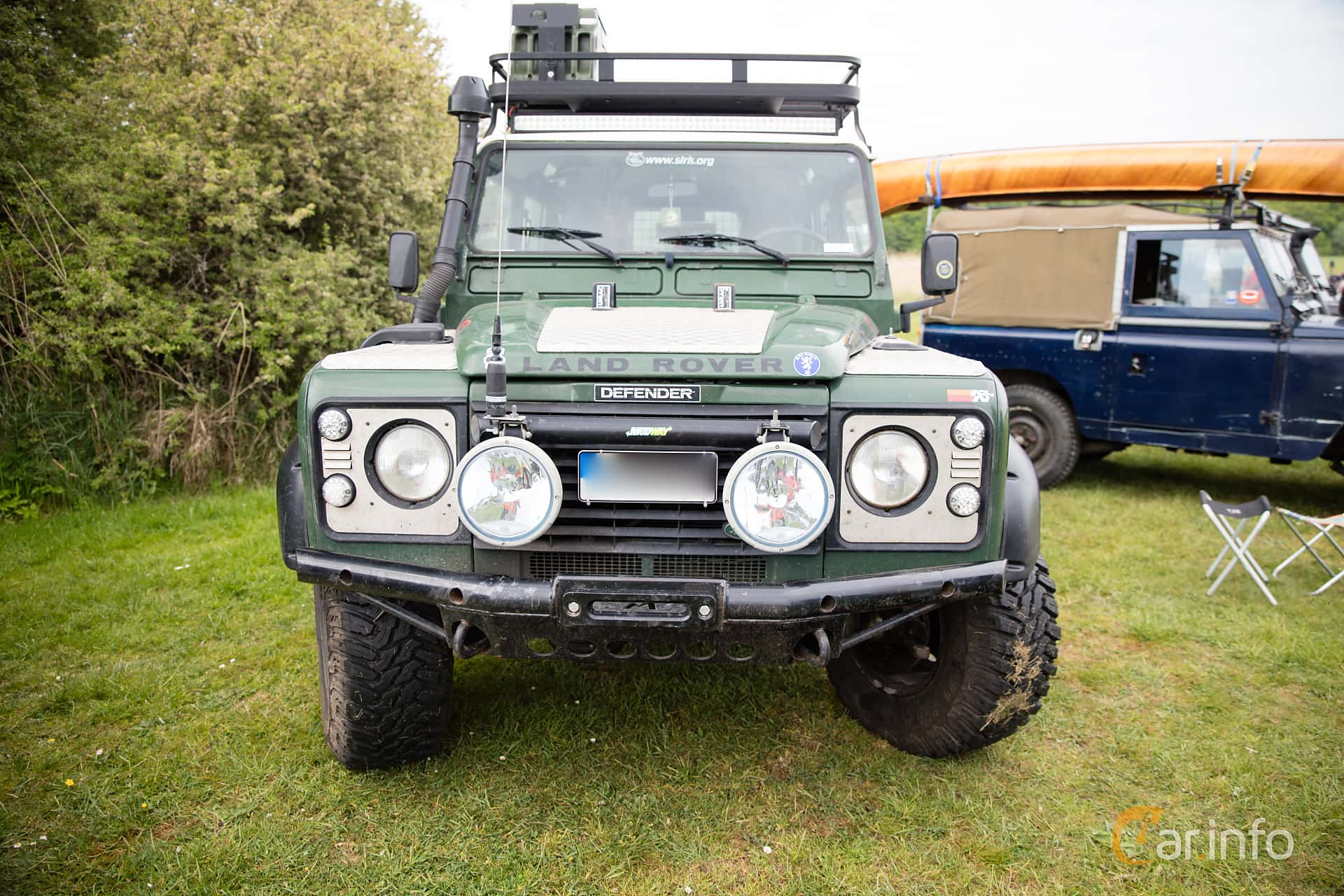 Front of Land Rover Defender 110 2.5 4x4 Manual, 122ps, 2000 at Tjolöholm  Classic